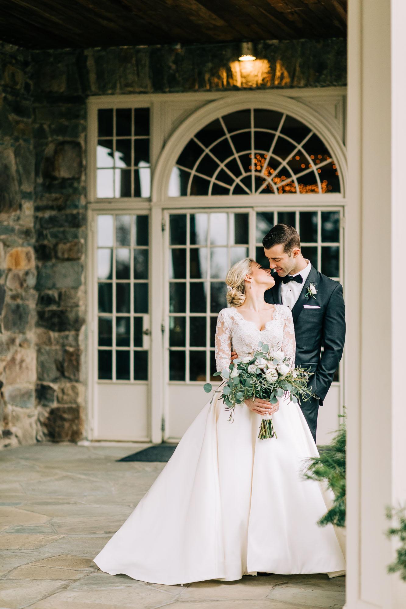 skytop-lodge-pocono-winter-wedding-8367.jpg