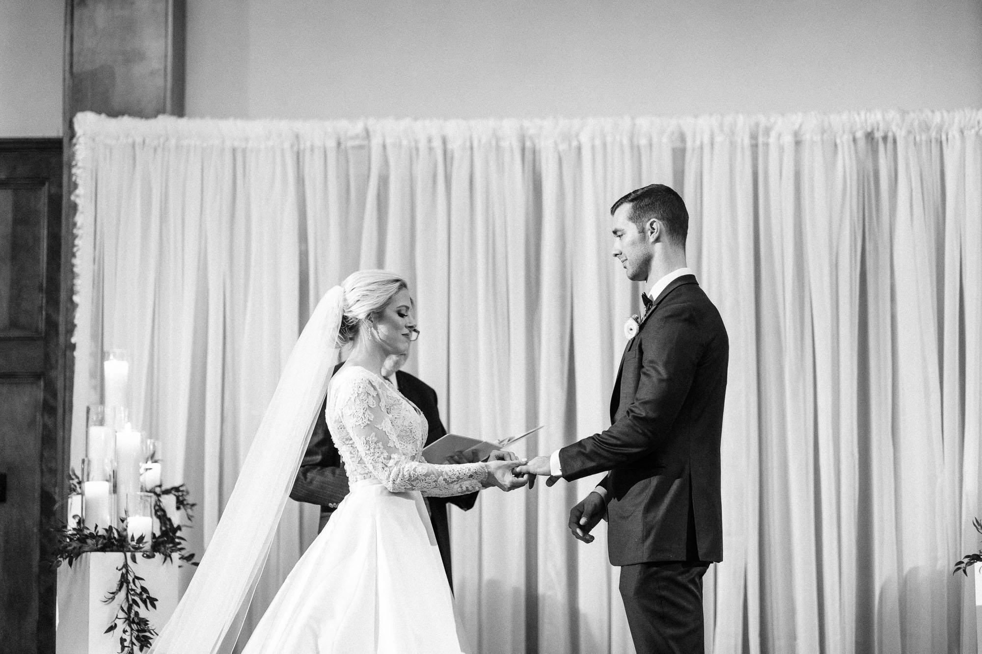 skytop-lodge-pocono-winter-wedding-8843.jpg