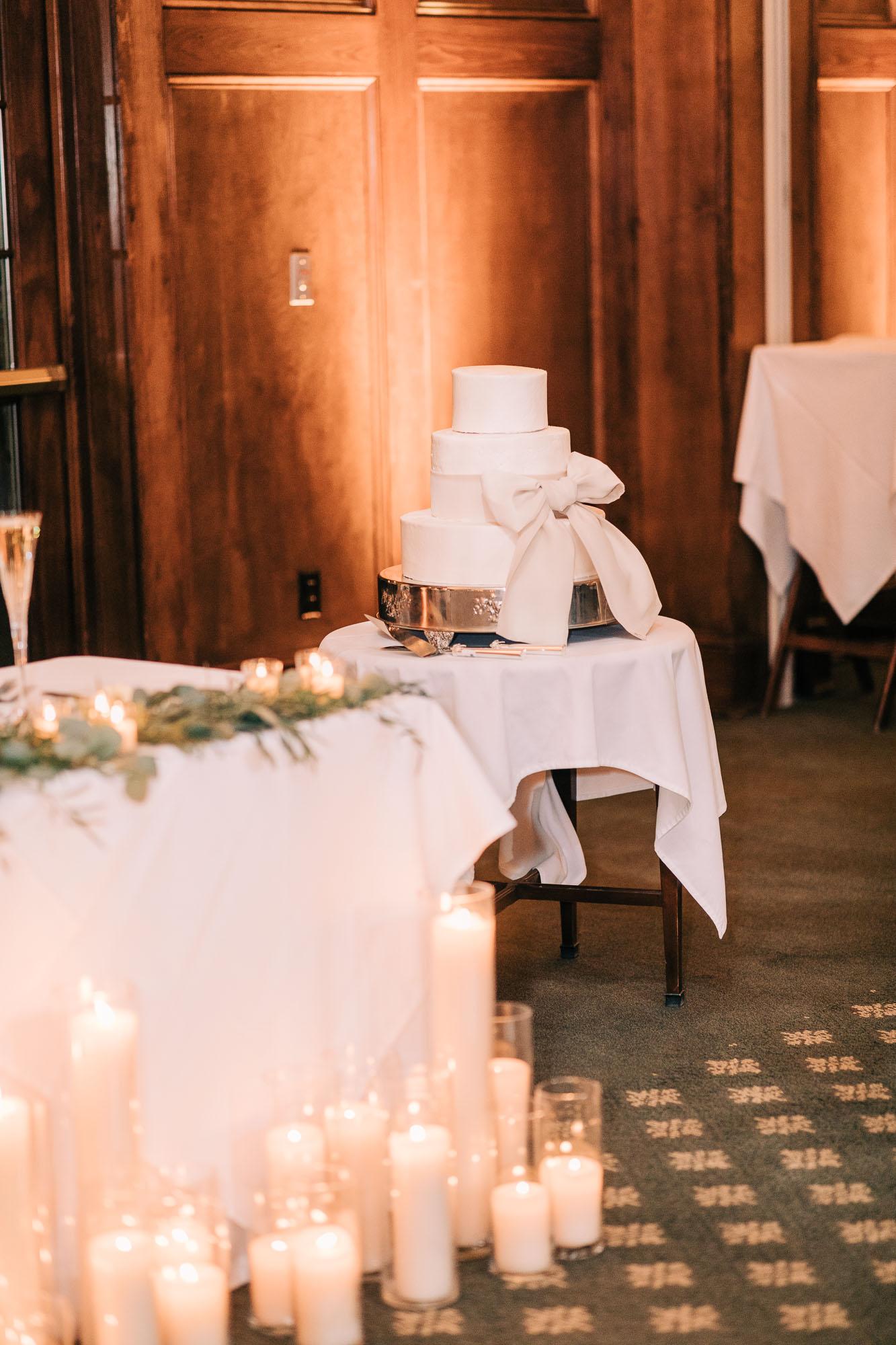 skytop-lodge-pocono-winter-wedding-8889.jpg