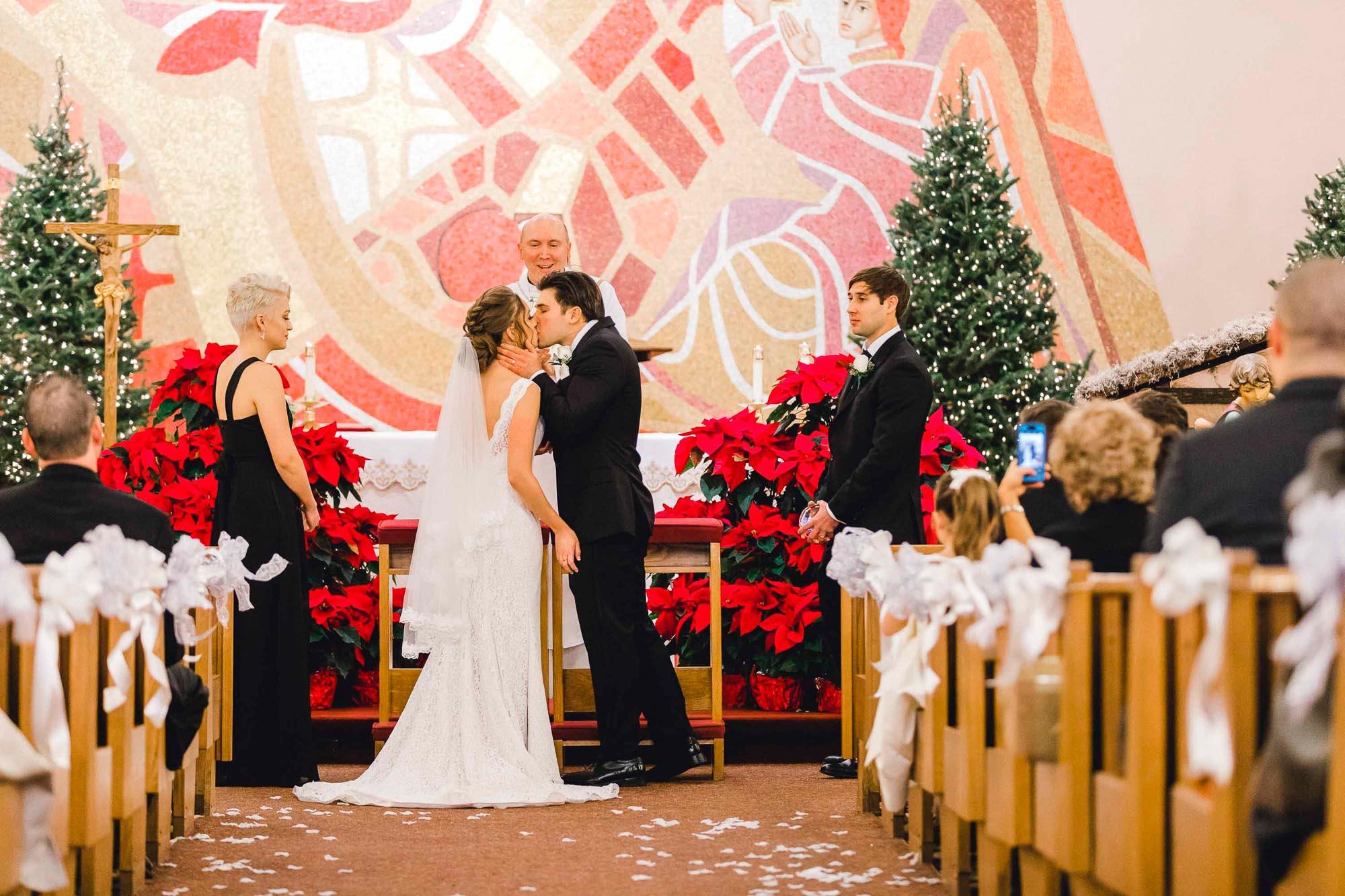 snowy-sand-springs-country-club-drums-pa-christmas-wedding-24382.jpg