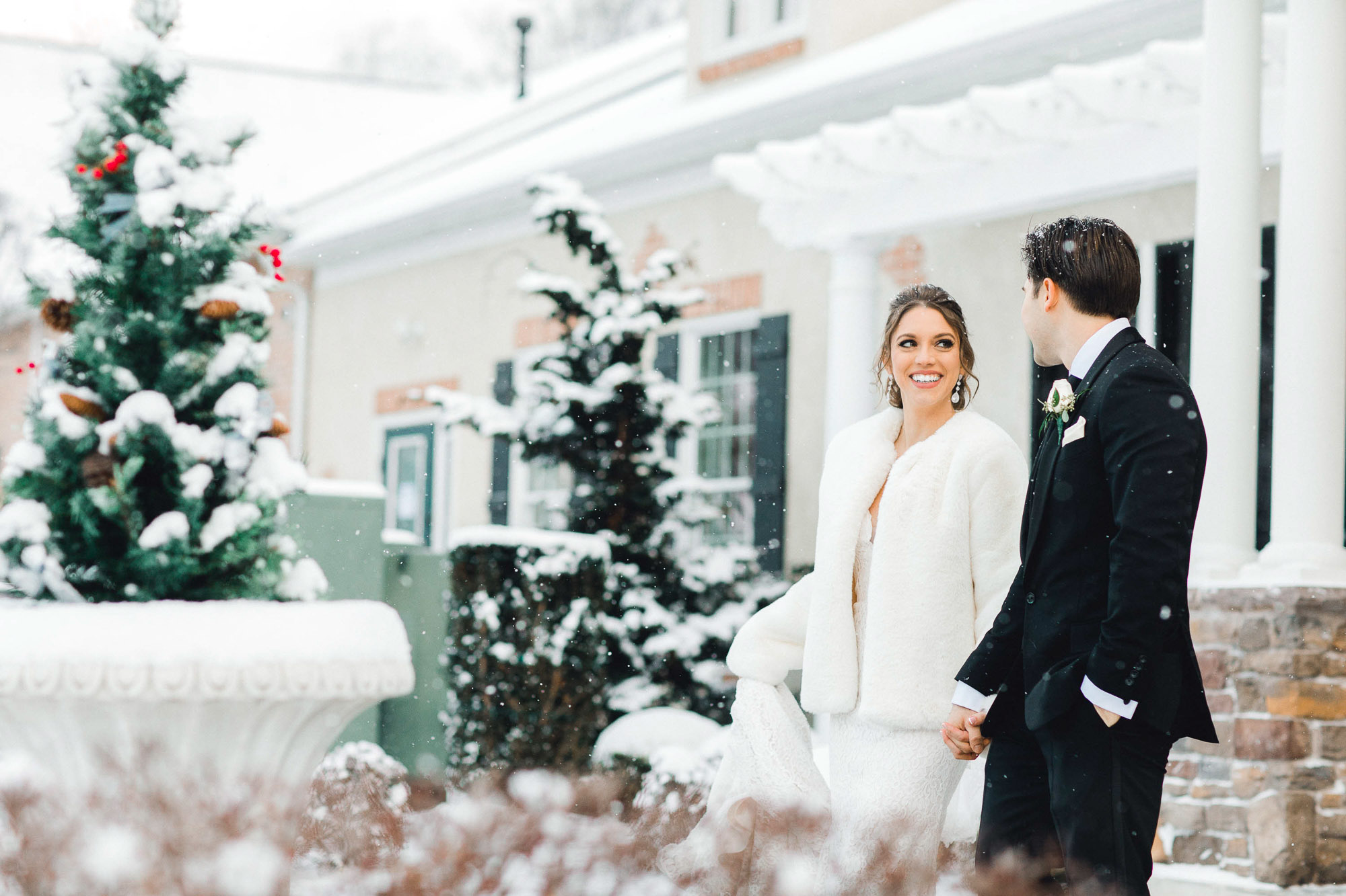 snowy-sand-springs-country-club-drums-pa-christmas-wedding-24665.jpg