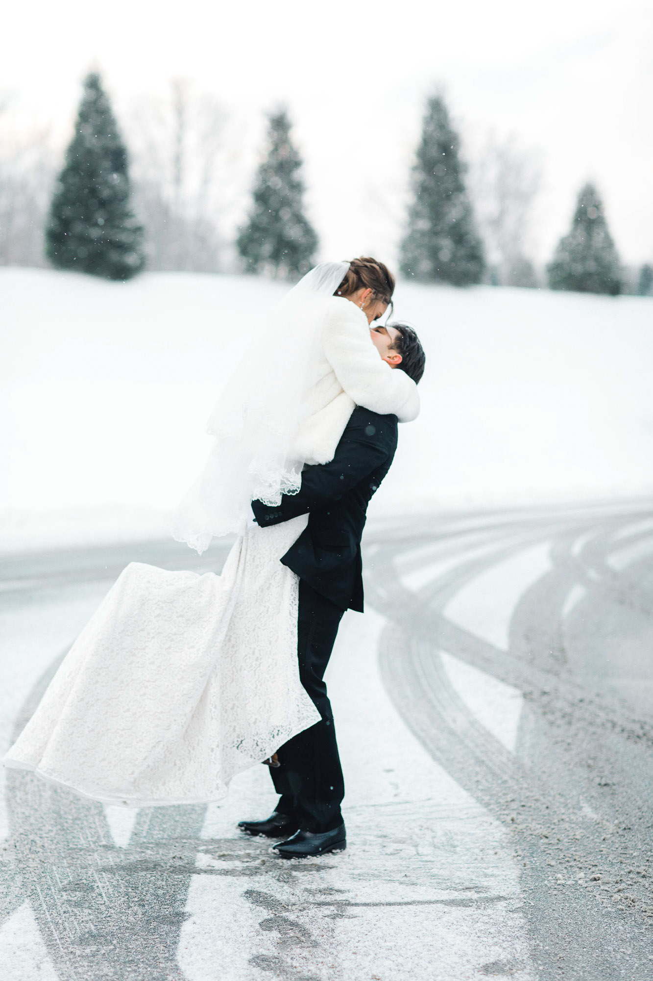 snowy-sand-springs-country-club-drums-pa-christmas-wedding-24749.jpg