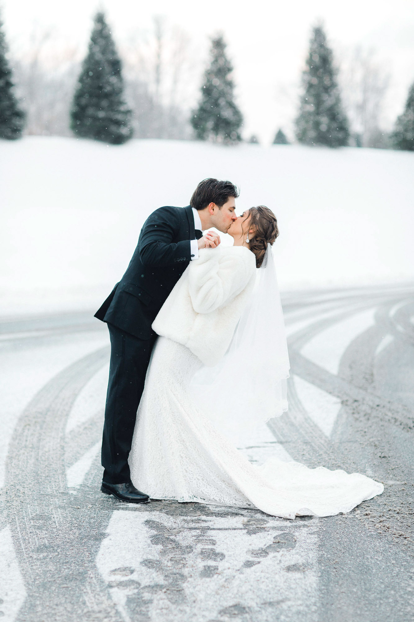 snowy-sand-springs-country-club-drums-pa-christmas-wedding-24755.jpg
