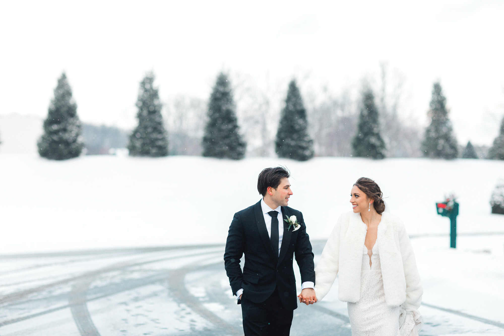 snowy-sand-springs-country-club-drums-pa-christmas-wedding-24805.jpg