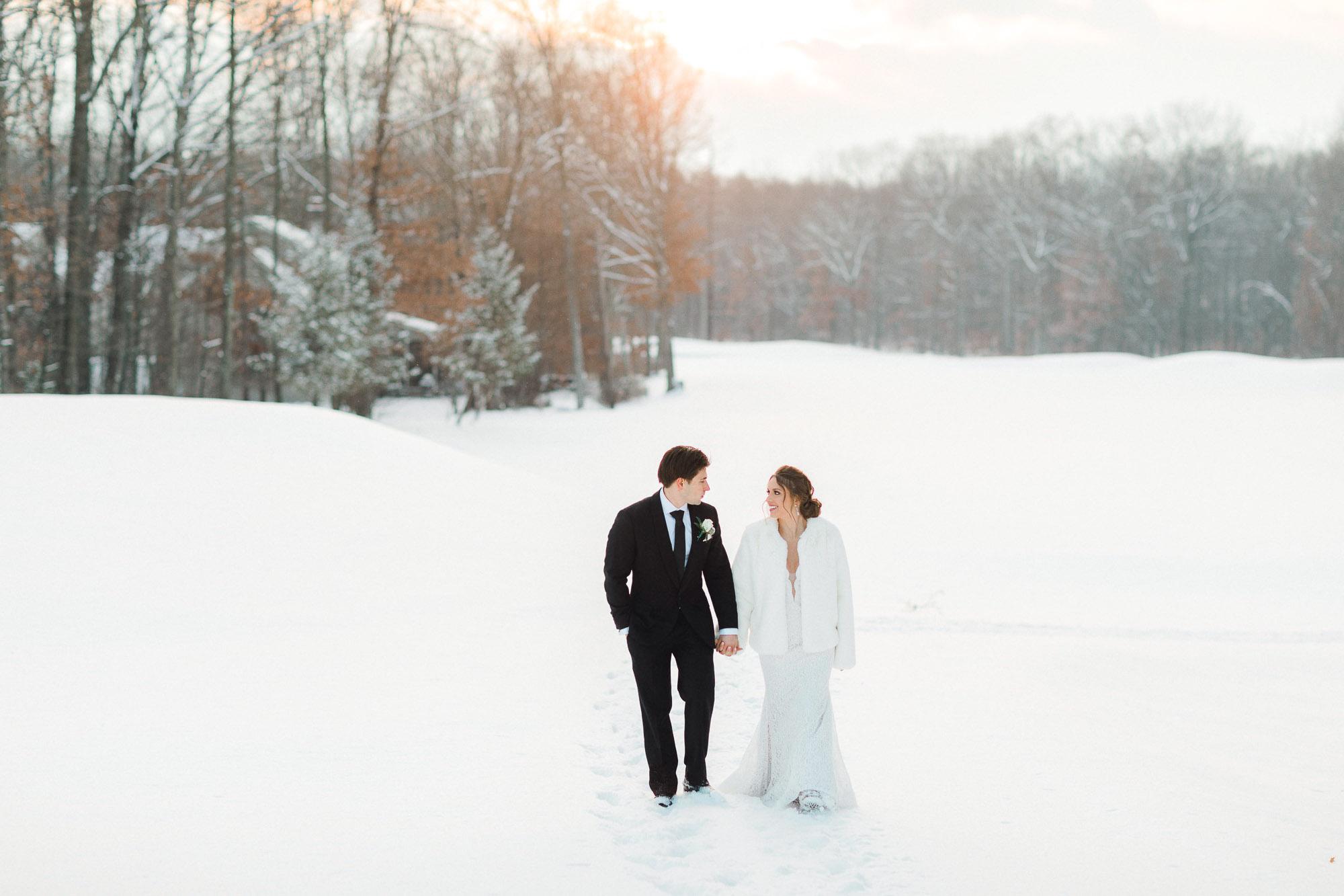 snowy-sand-springs-country-club-drums-pa-christmas-wedding-24898.jpg