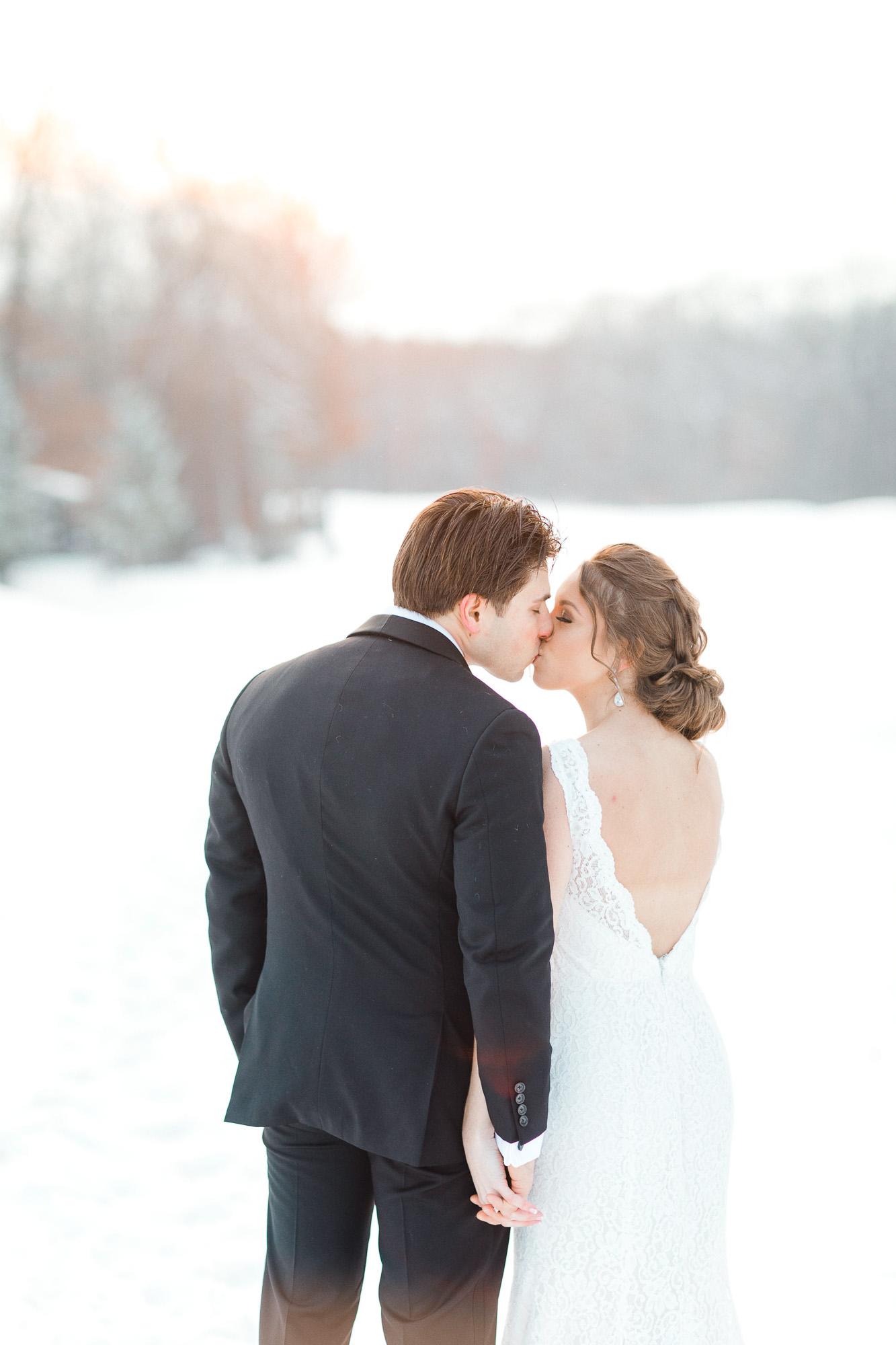 snowy-sand-springs-country-club-drums-pa-christmas-wedding-24915.jpg