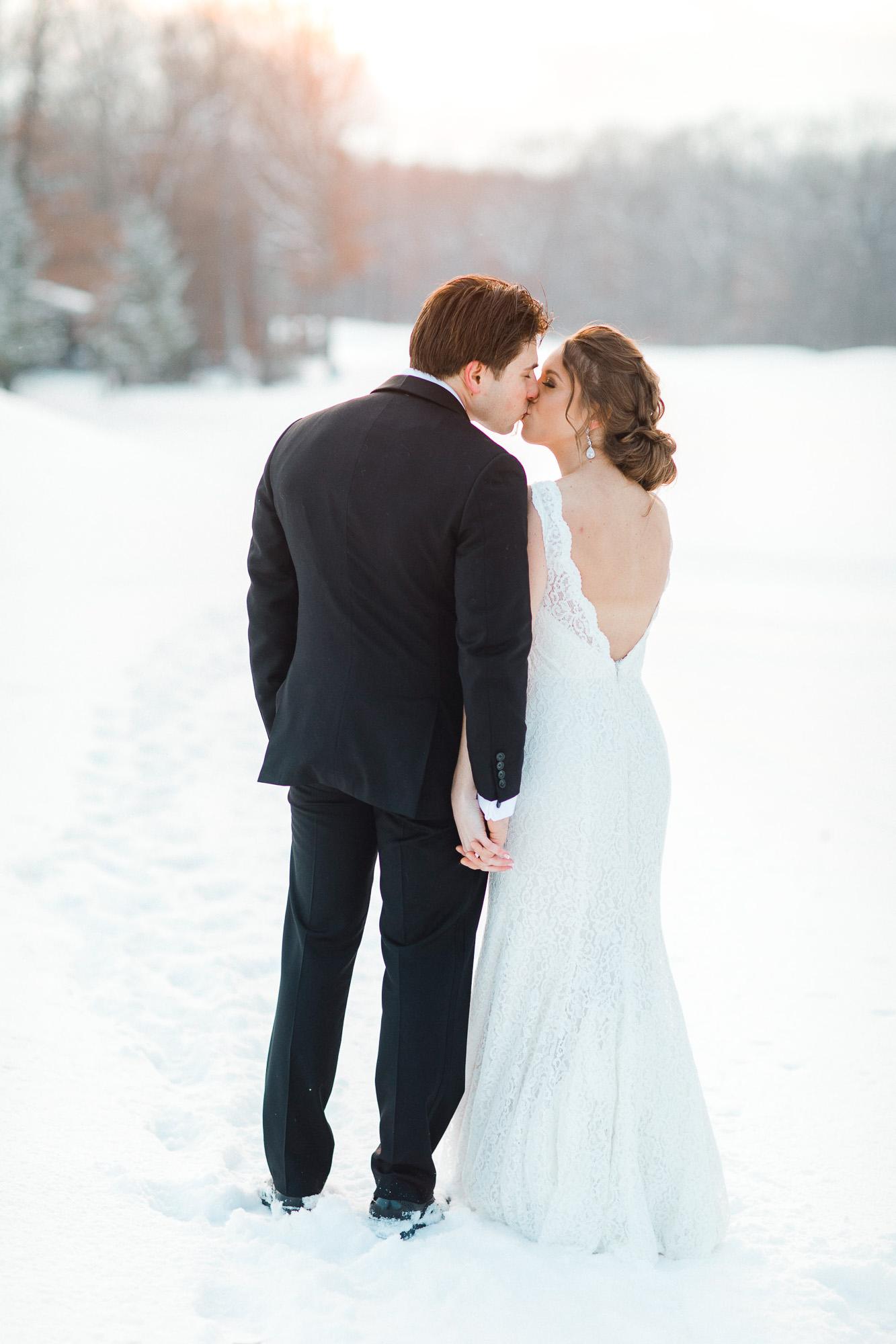 snowy-sand-springs-country-club-drums-pa-christmas-wedding-24916.jpg