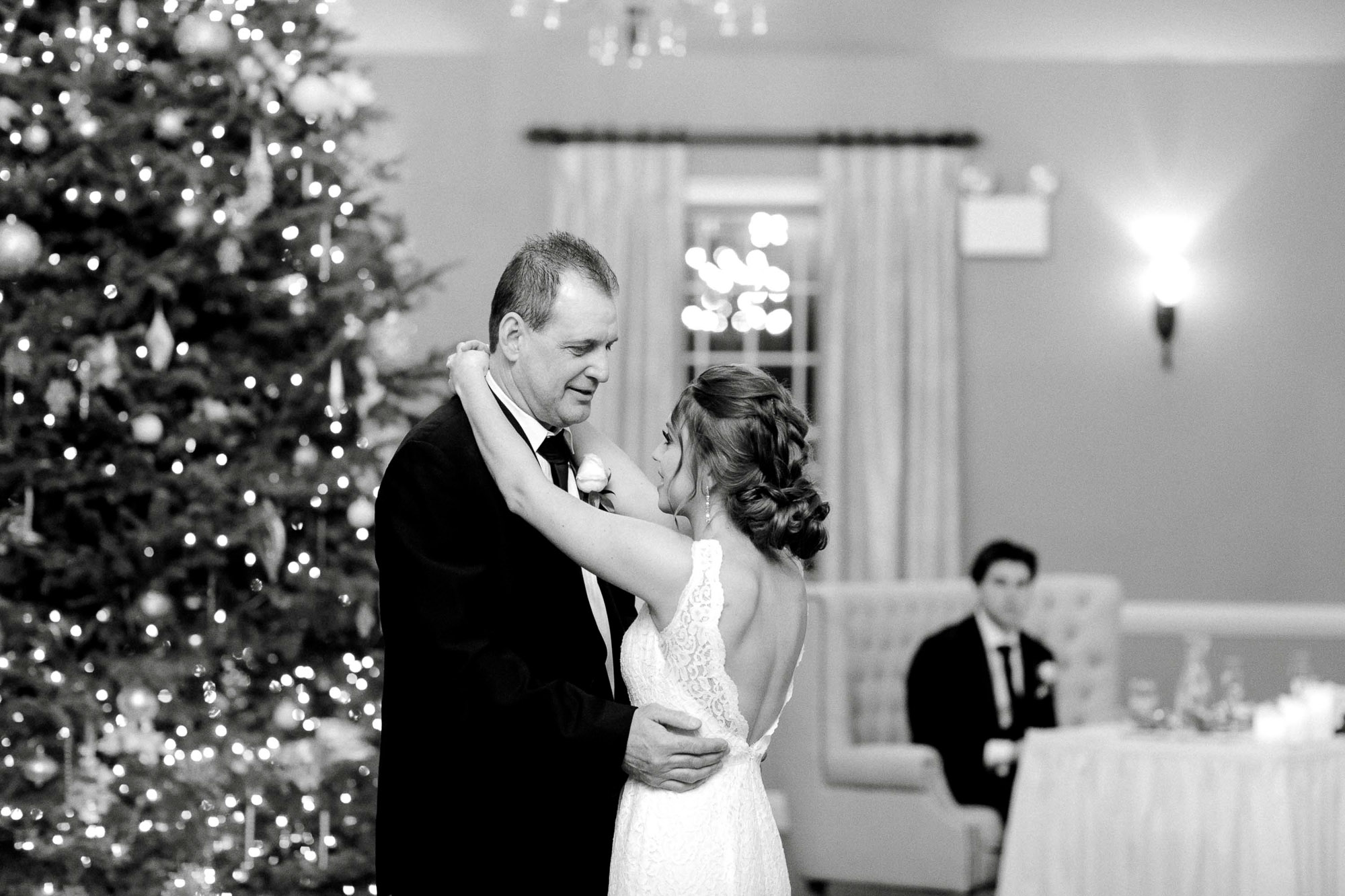 snowy-sand-springs-country-club-drums-pa-christmas-wedding-25111.jpg