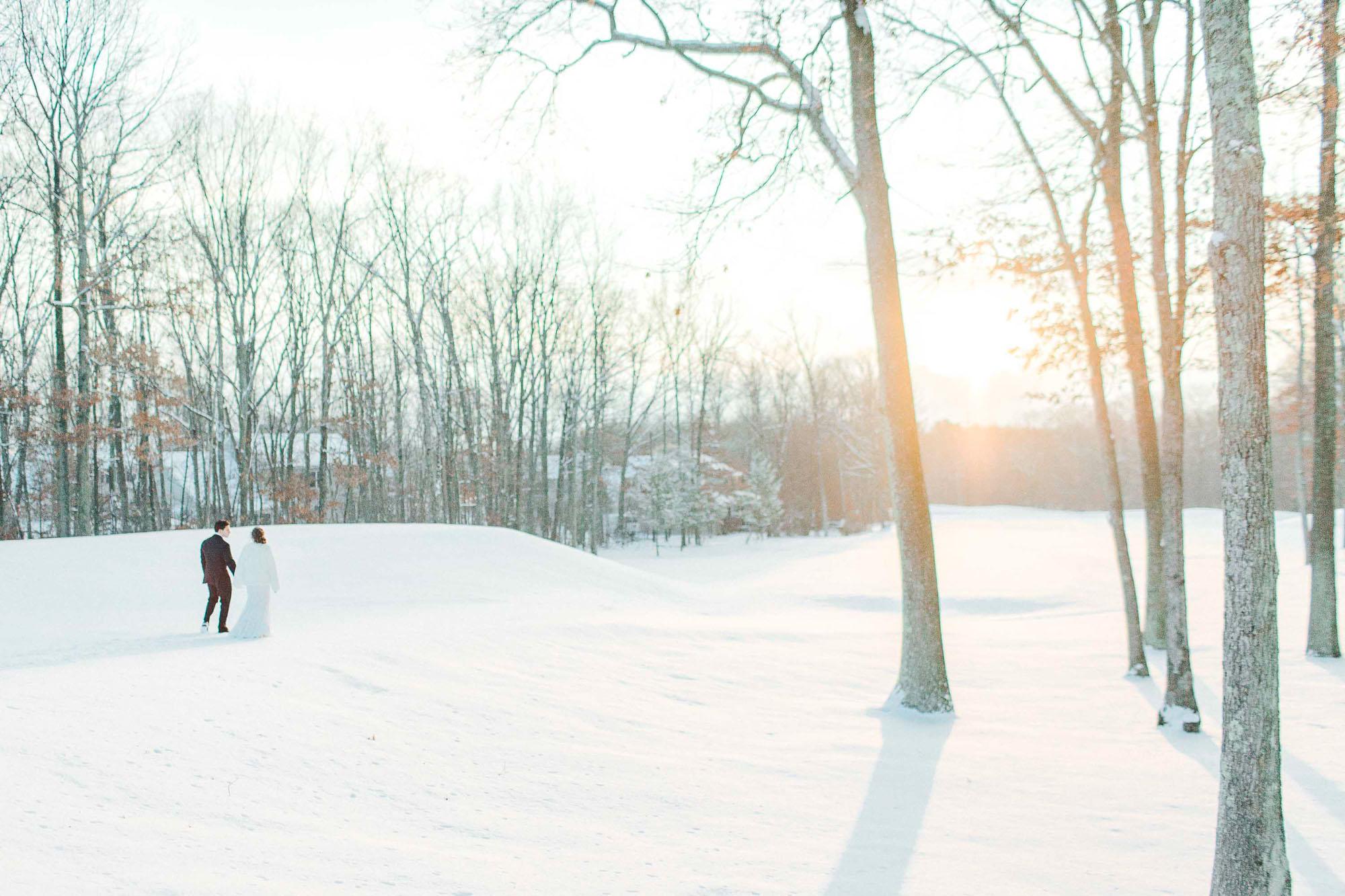 snowy-sand-springs-country-club-drums-pa-christmas-wedding-34911.jpg