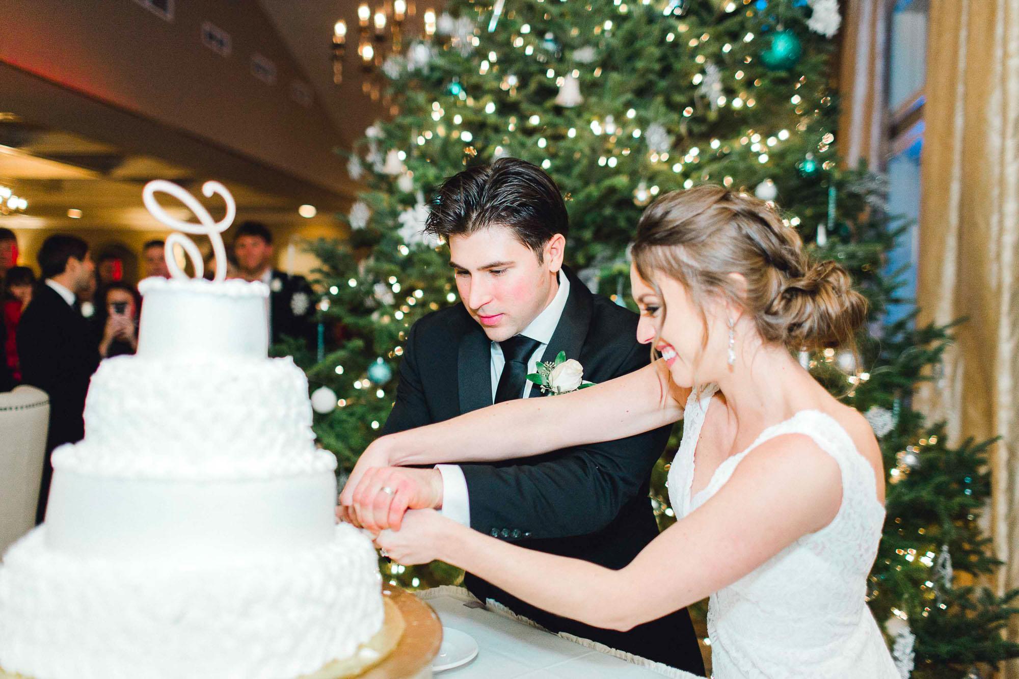 snowy-sand-springs-country-club-drums-pa-christmas-wedding-35138.jpg
