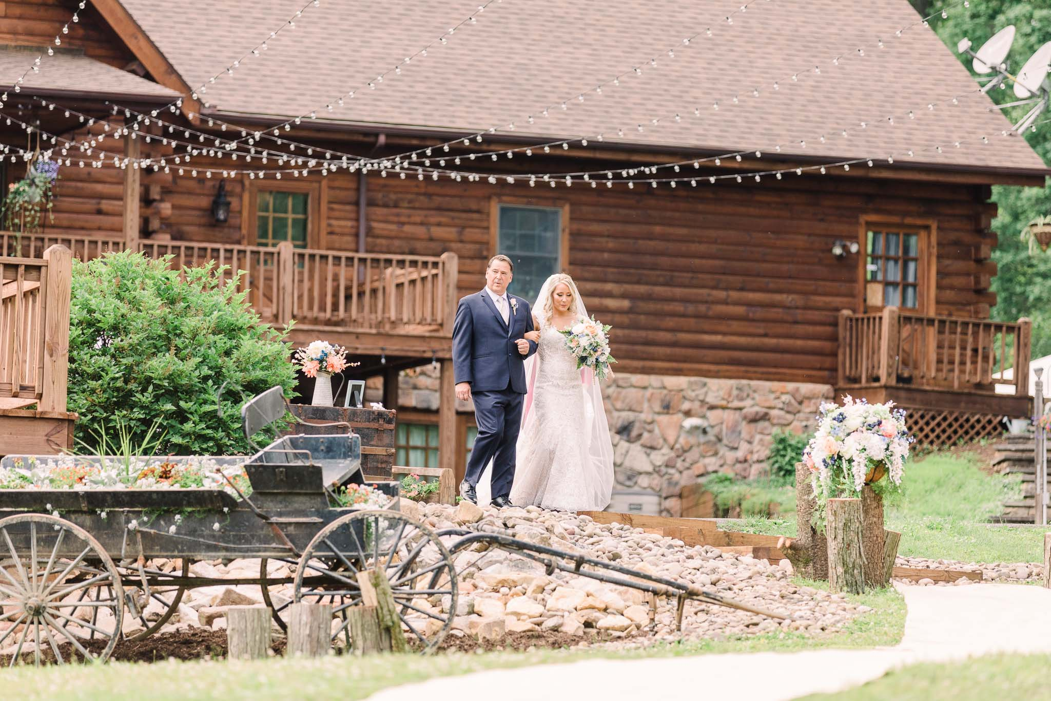 June-backyard-wedding-2881.jpg