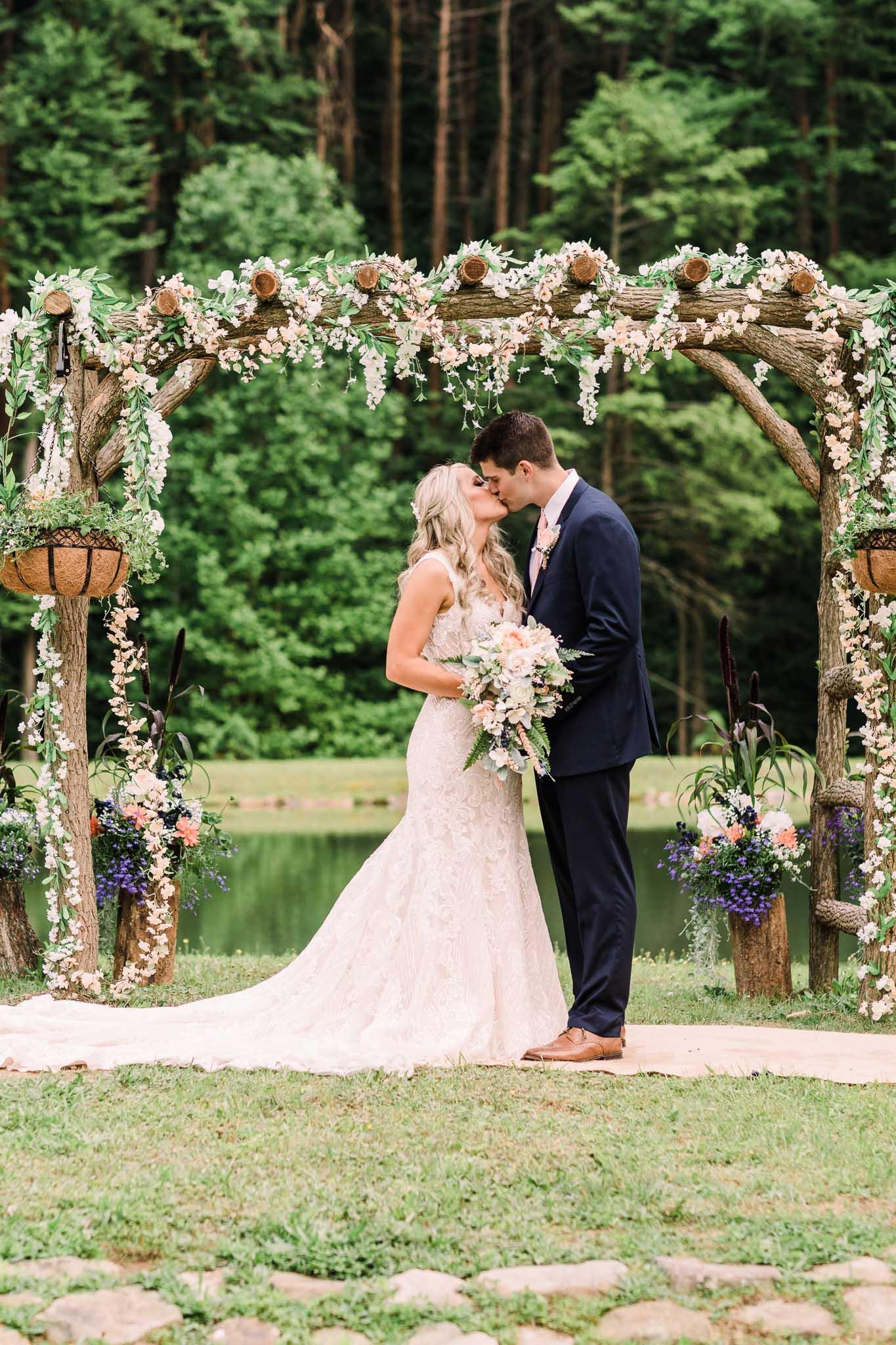 June-backyard-wedding-3368.jpg