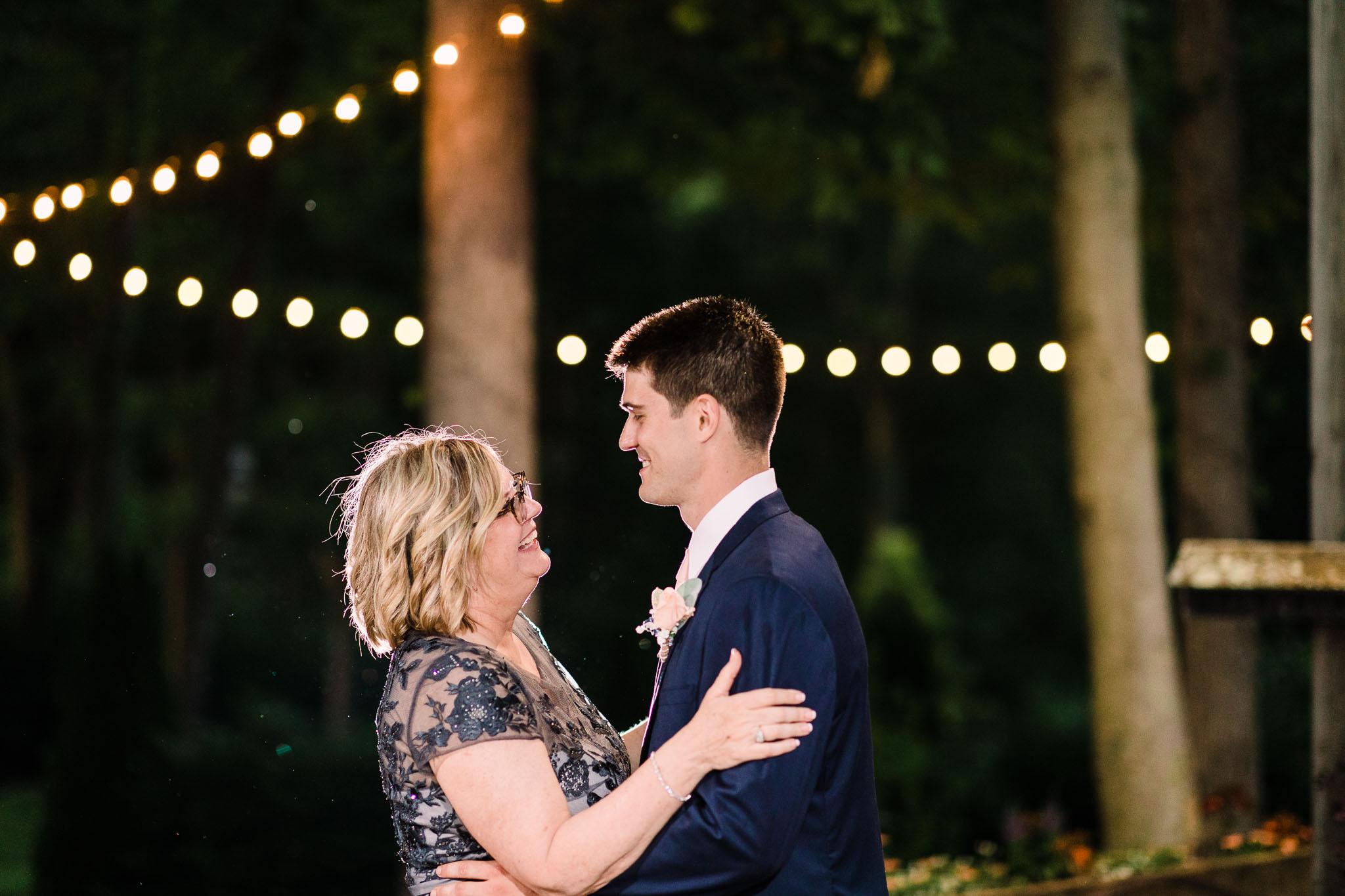 June-backyard-wedding-3694.jpg
