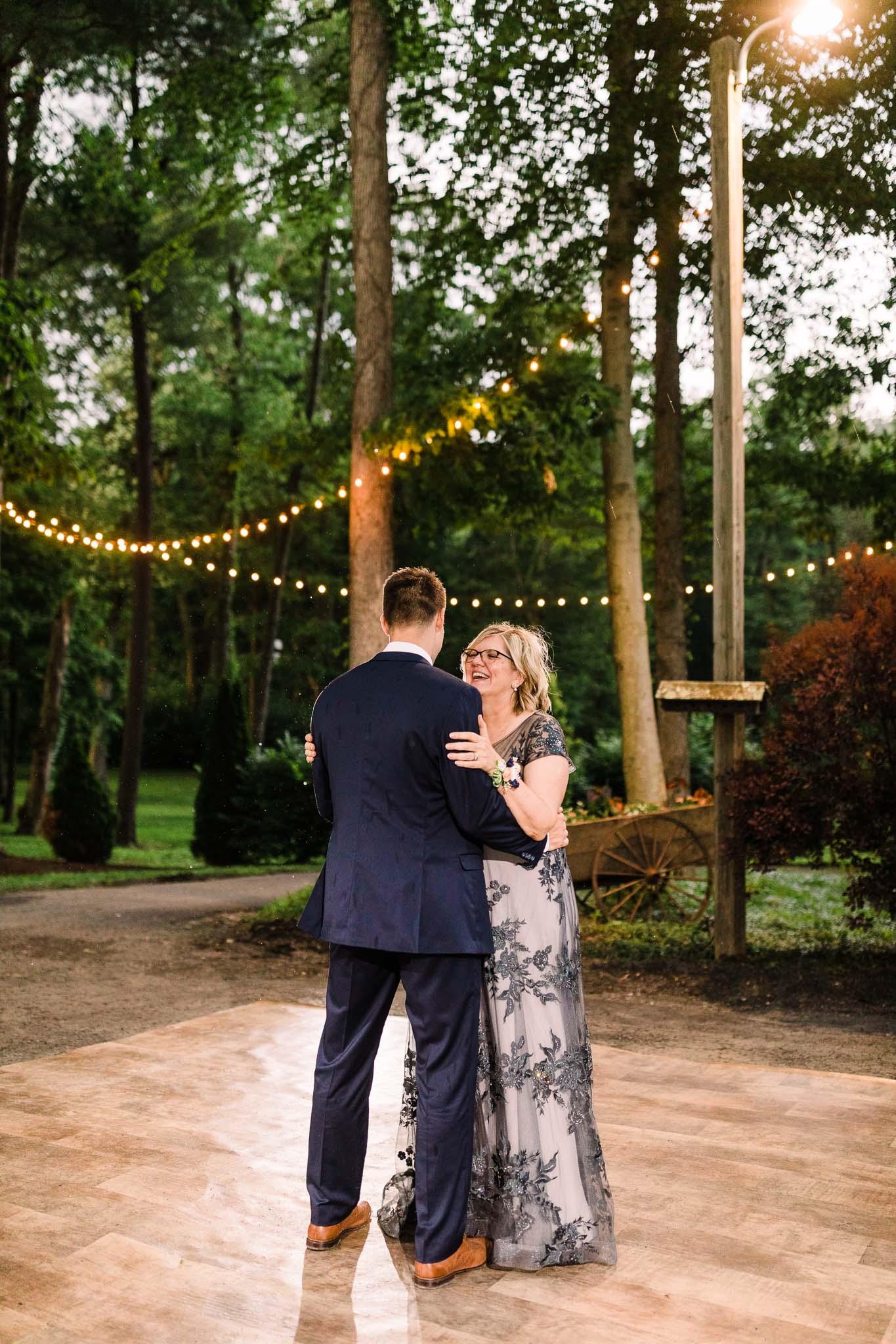 June-backyard-wedding-9060.jpg