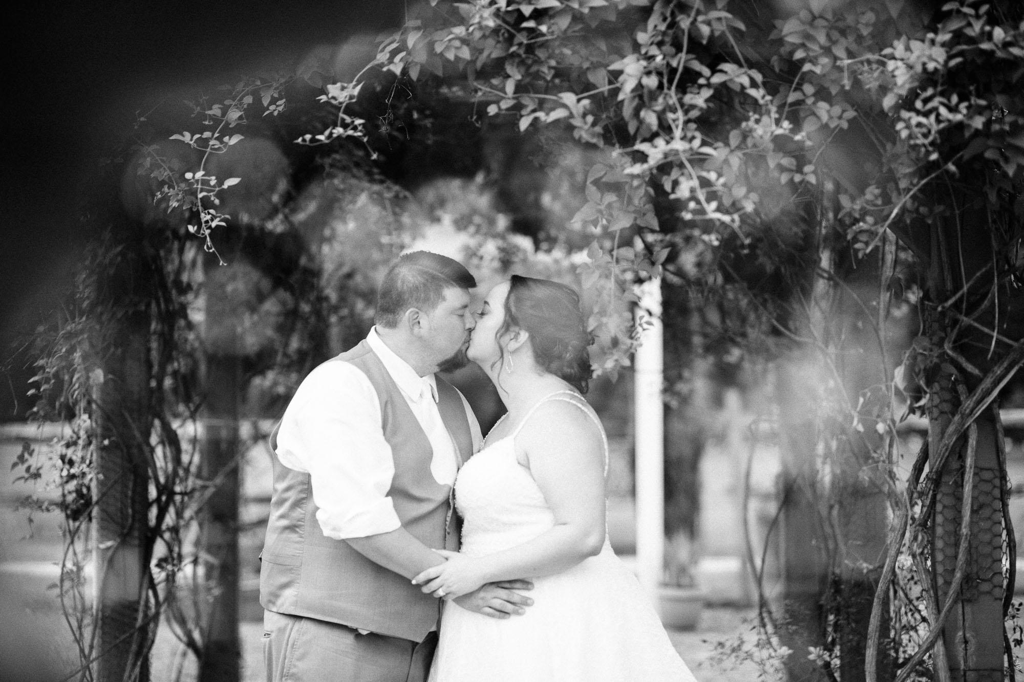barn-at-boones-dam-wedding-5356.jpg