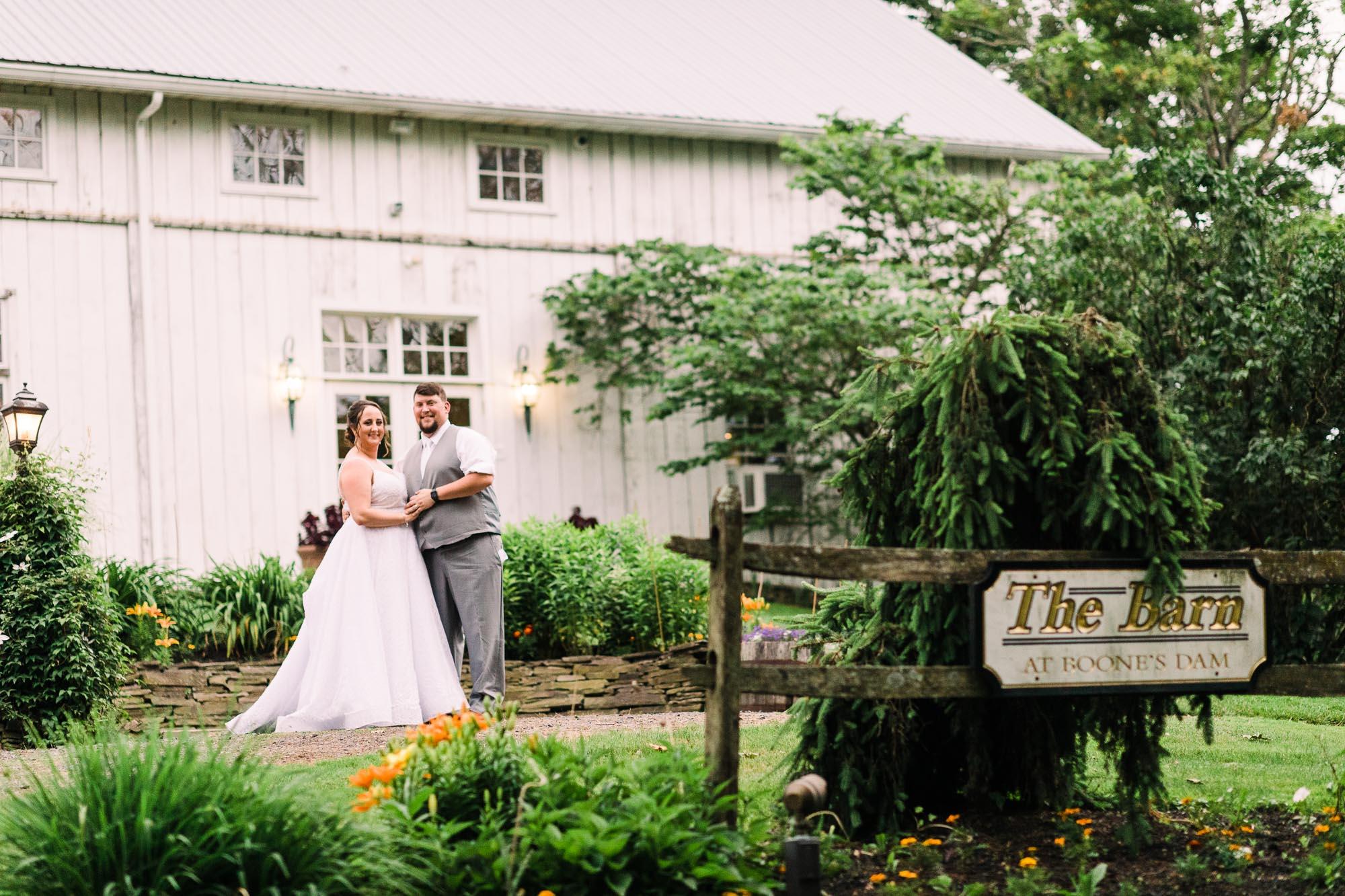 barn-at-boones-dam-wedding-5324.jpg