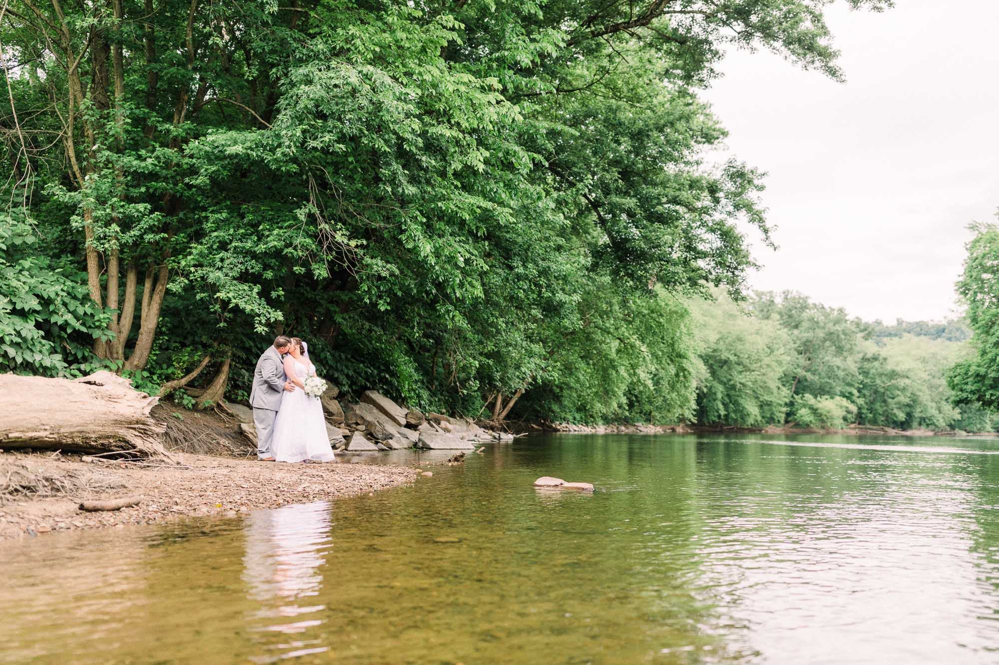 barn-at-boones-dam-wedding-1075.jpg