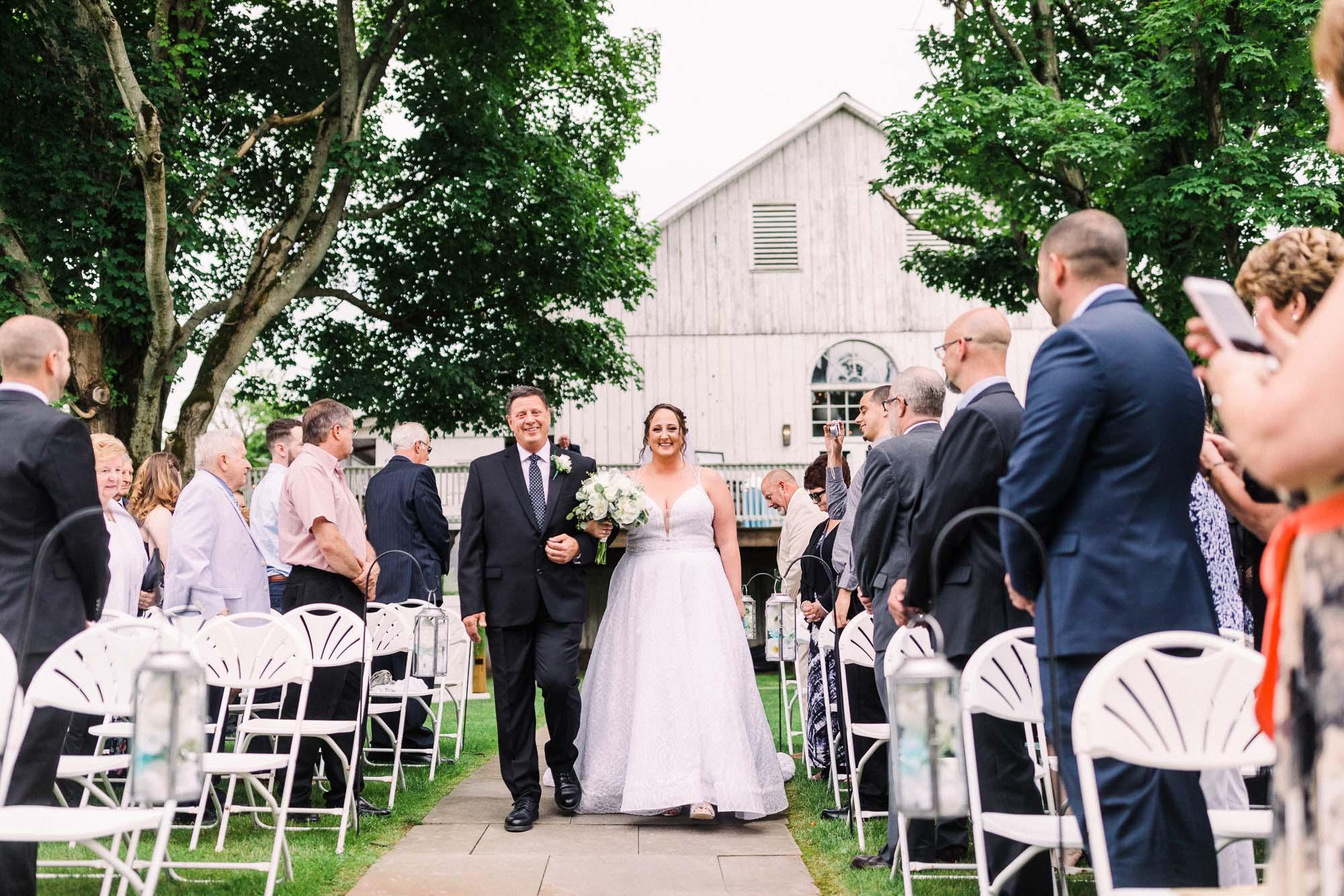 barn-at-boones-dam-wedding-0810.jpg