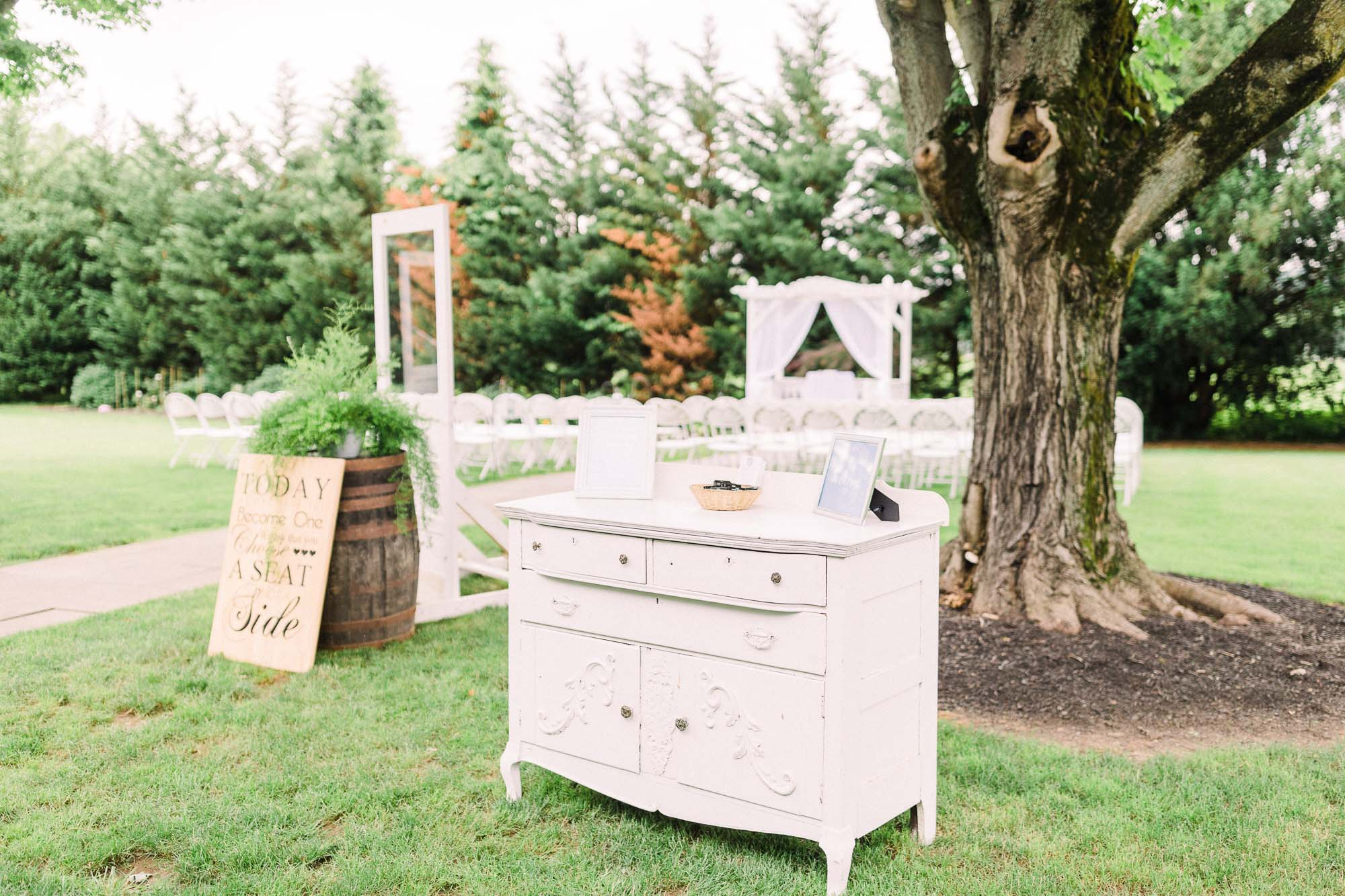 barn-at-boones-dam-wedding-0726.jpg