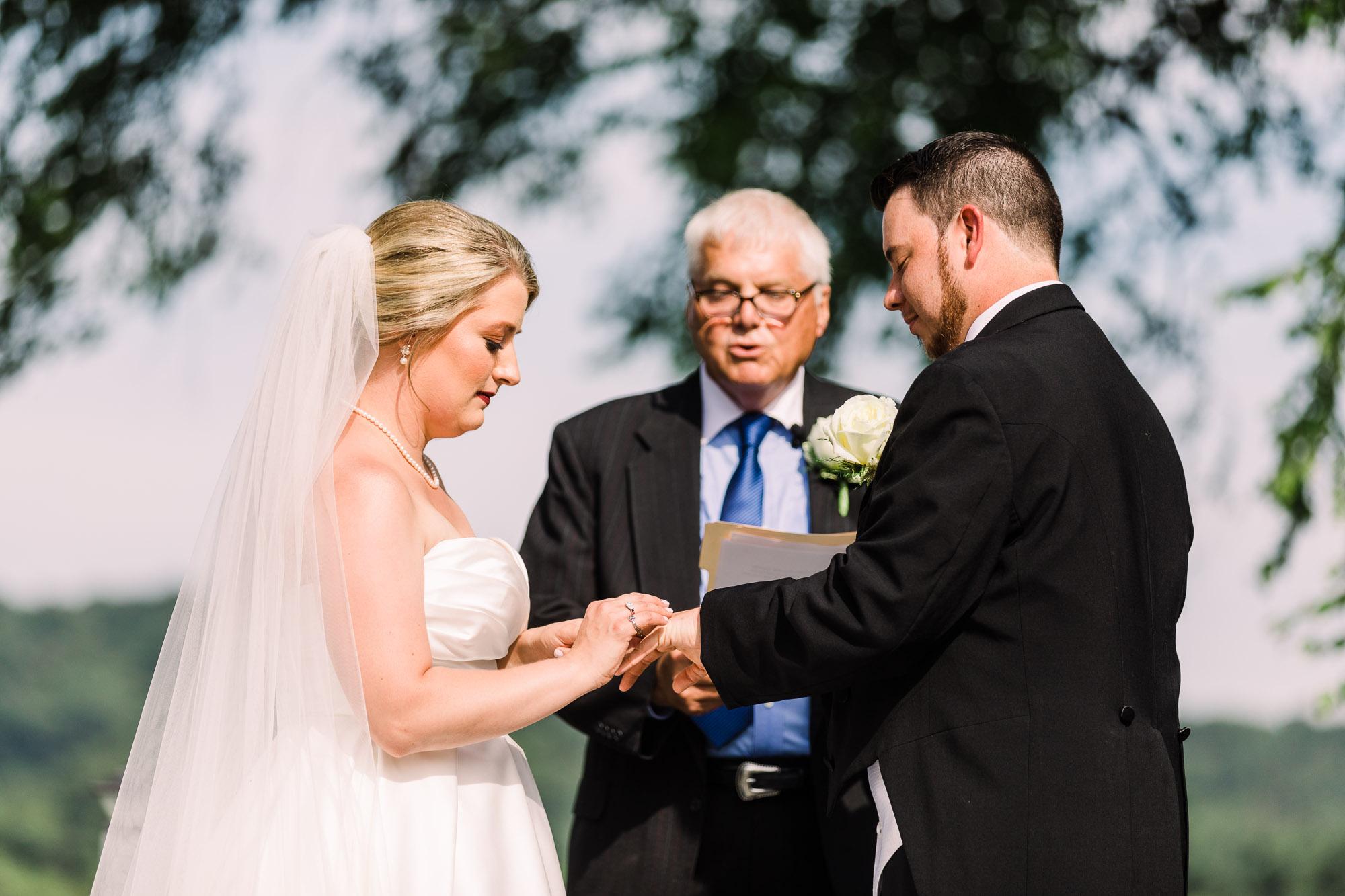 isle-of-que-wedding-3881.jpg