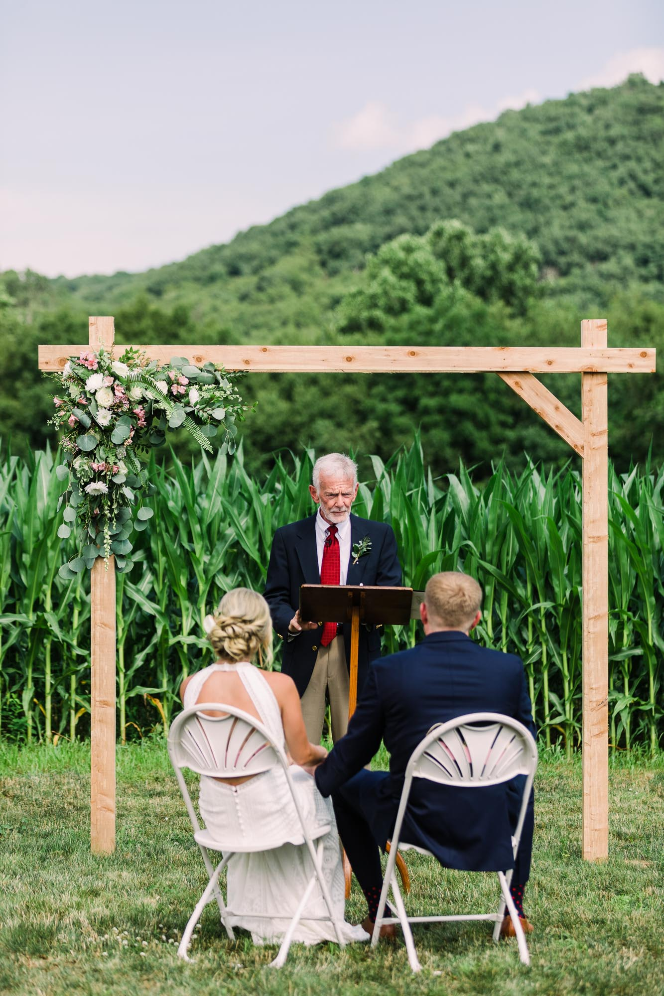 Muncy-backyard-farm-wedding-4839.jpg