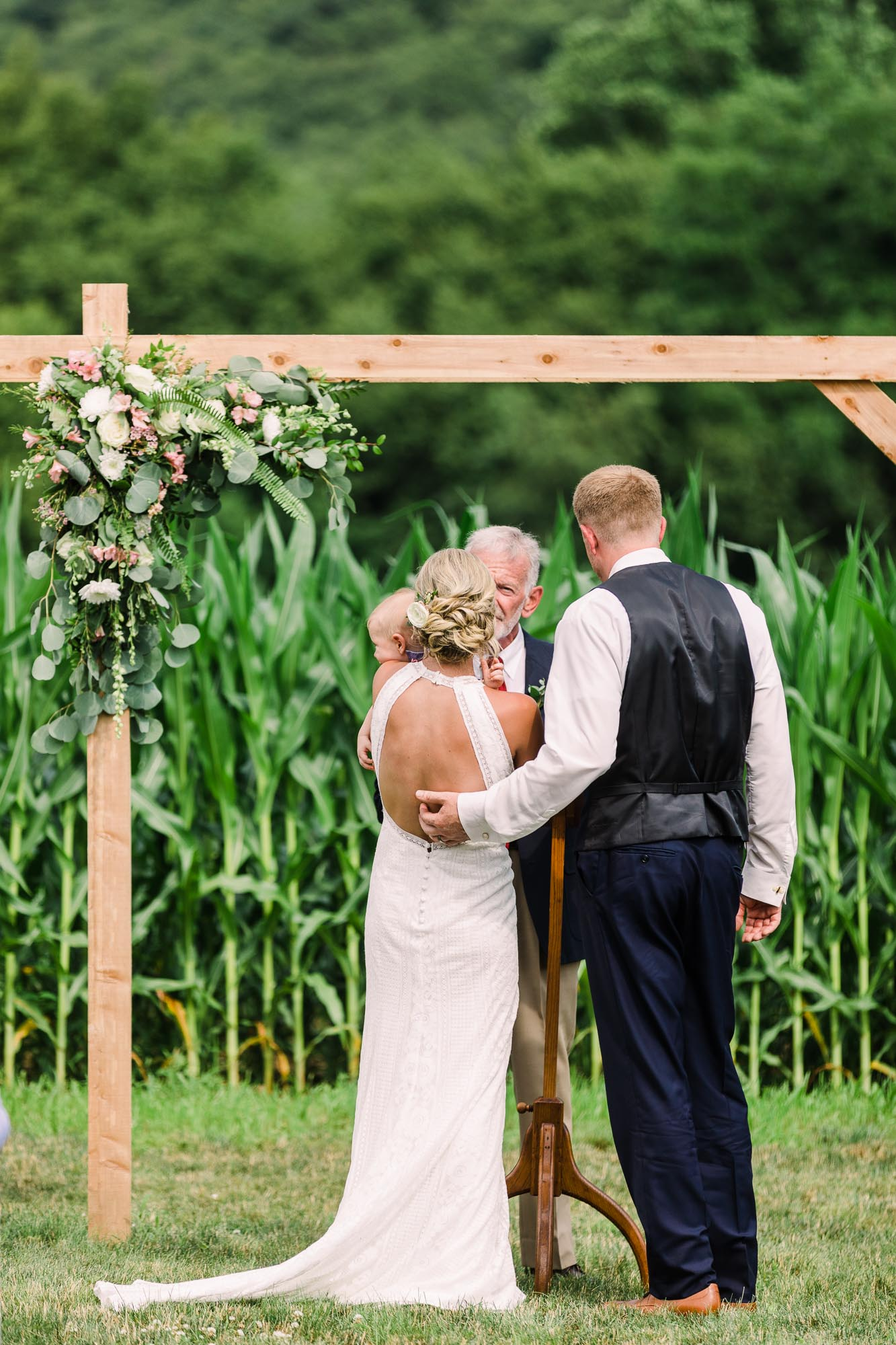 Muncy-backyard-farm-wedding-4998.jpg