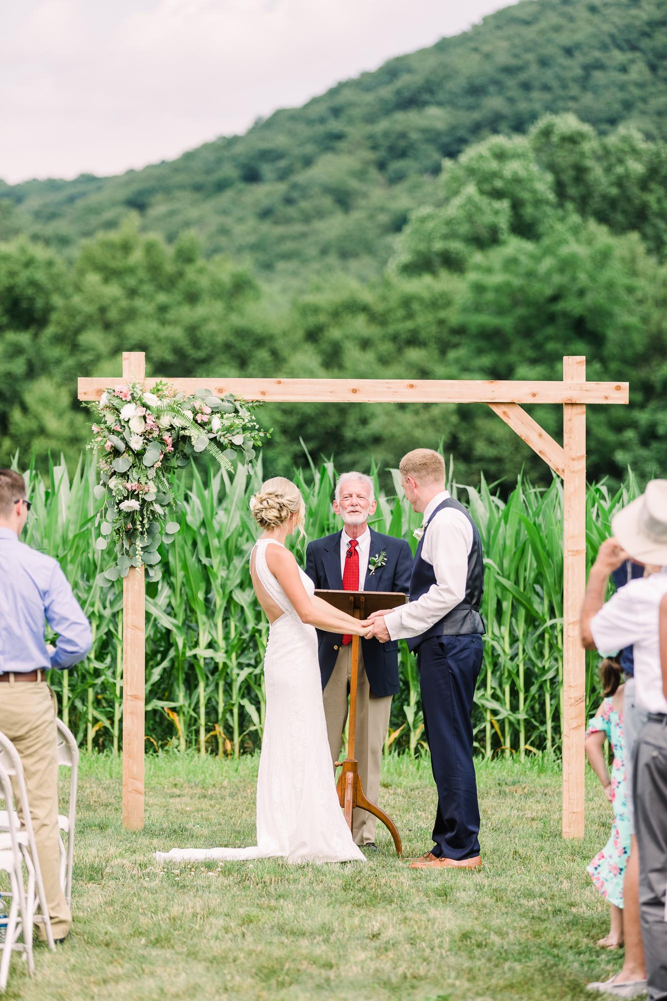 Muncy-backyard-farm-wedding-5033.jpg