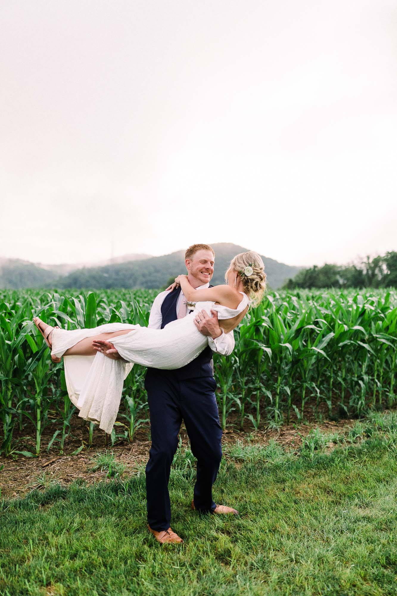 Muncy-backyard-farm-wedding-5443.jpg
