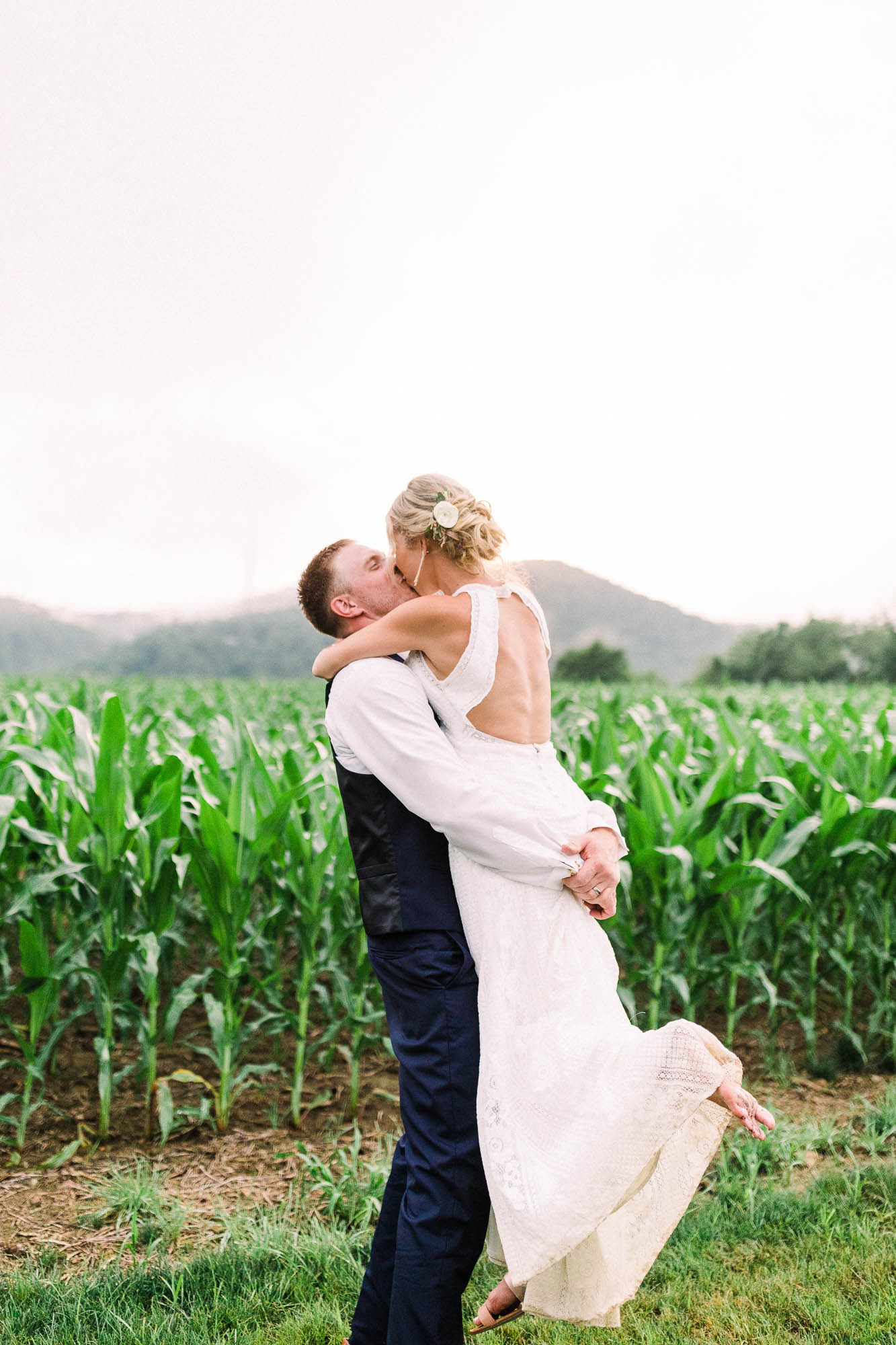 Muncy-backyard-farm-wedding-5456.jpg