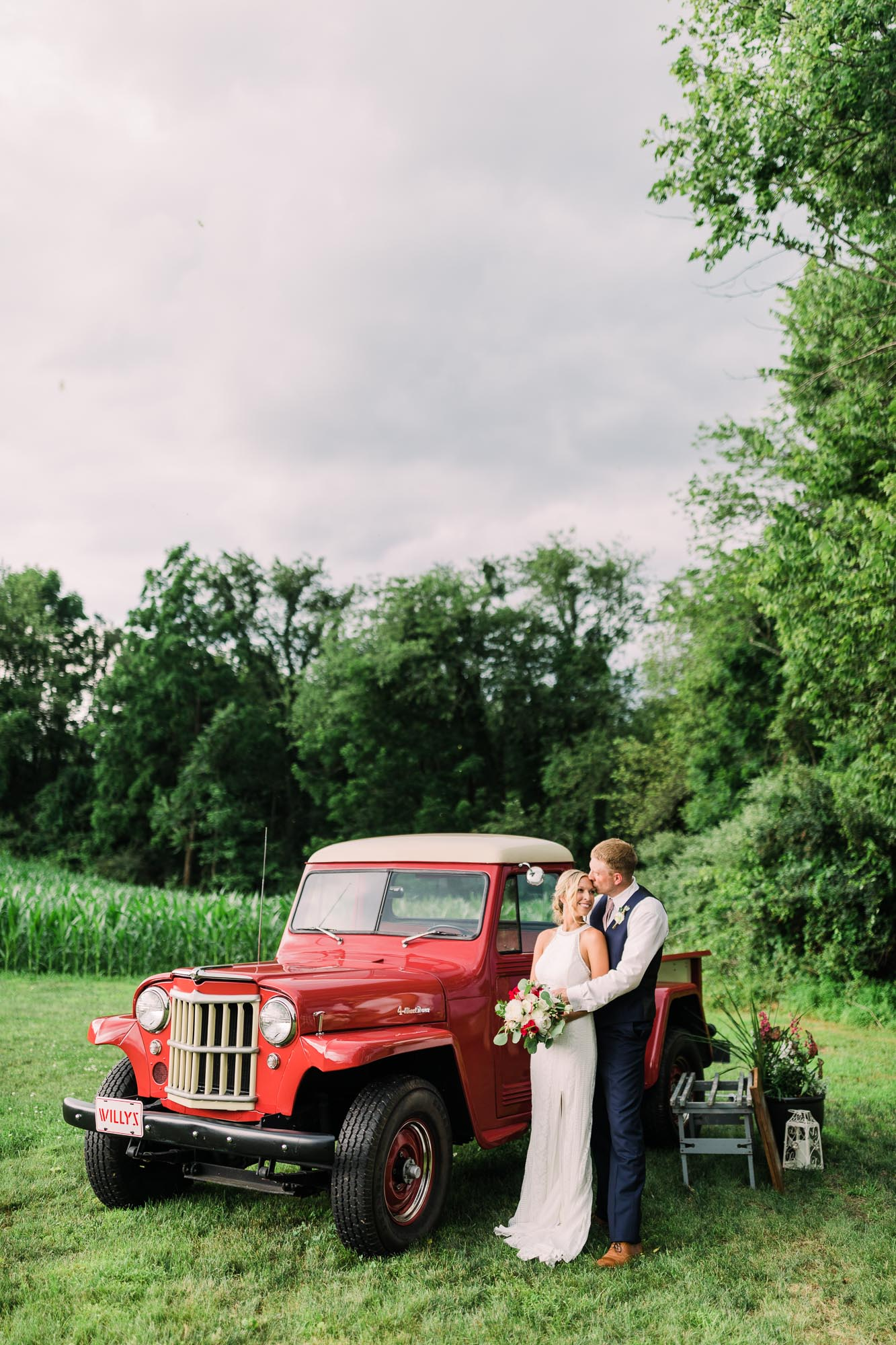 Muncy-backyard-farm-wedding-7909.jpg