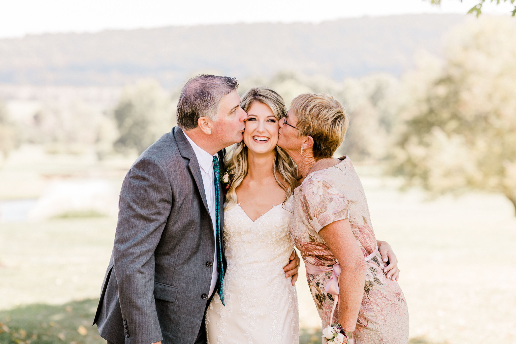 Frosty-Valley-September-Wedding-7227.jpg
