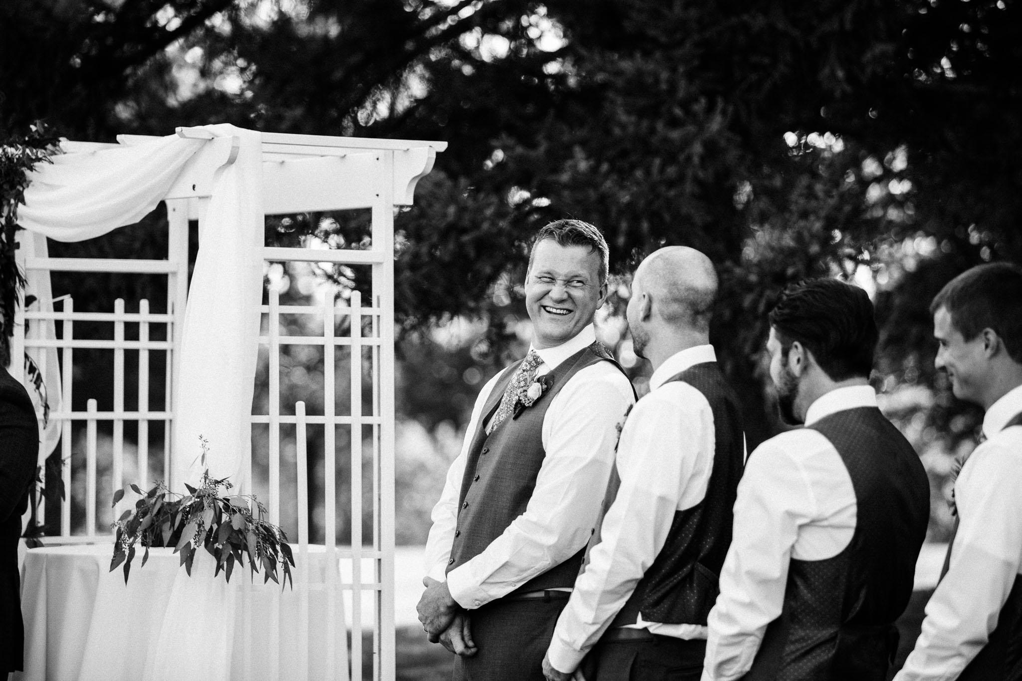 Frosty-Valley-September-Wedding-8025.jpg