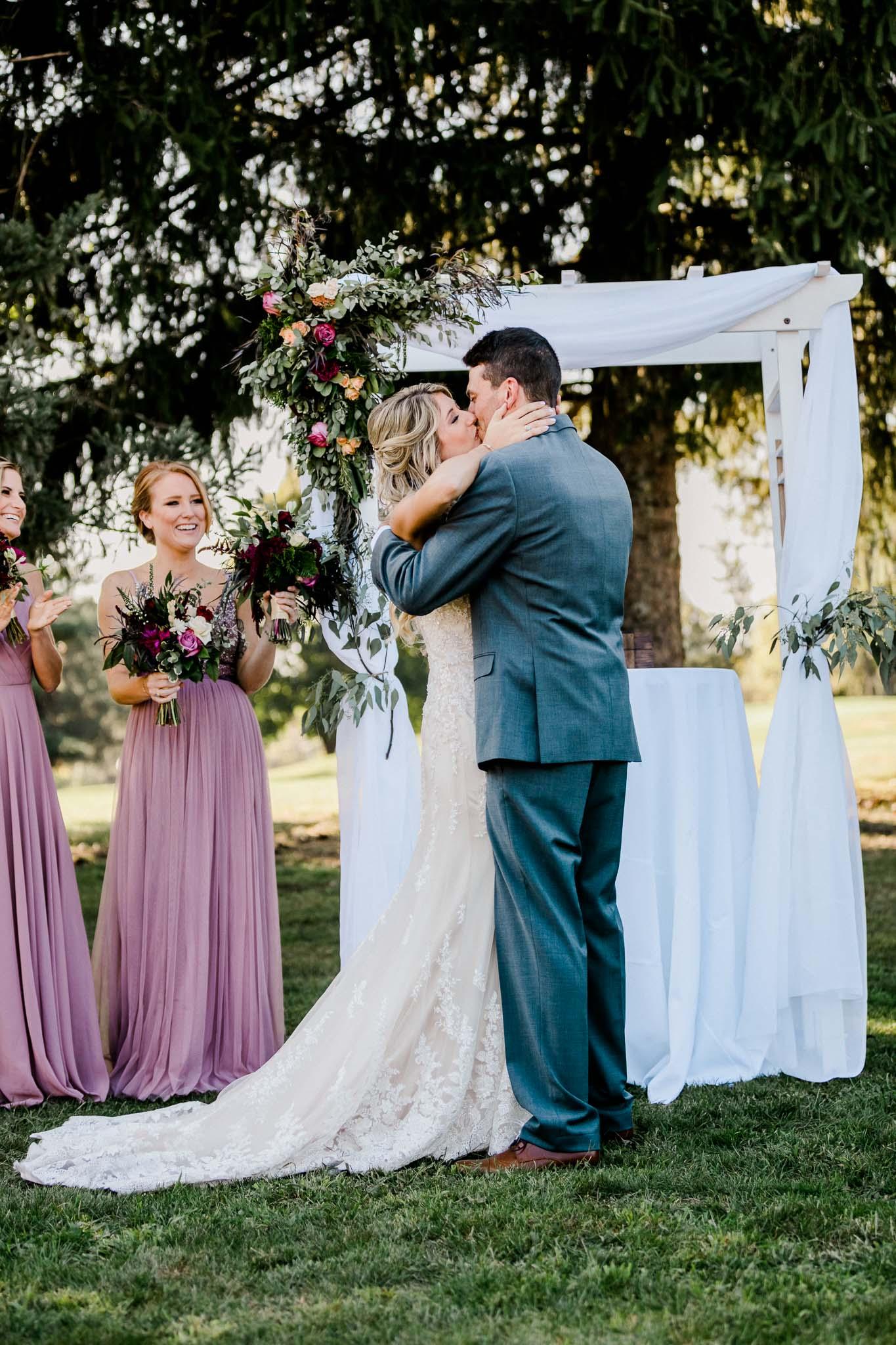 Frosty-Valley-September-Wedding-8115.jpg