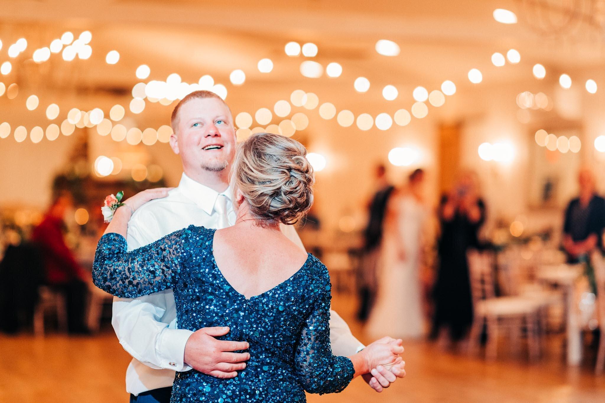 whitewoods-fall-wedding-2594.jpg