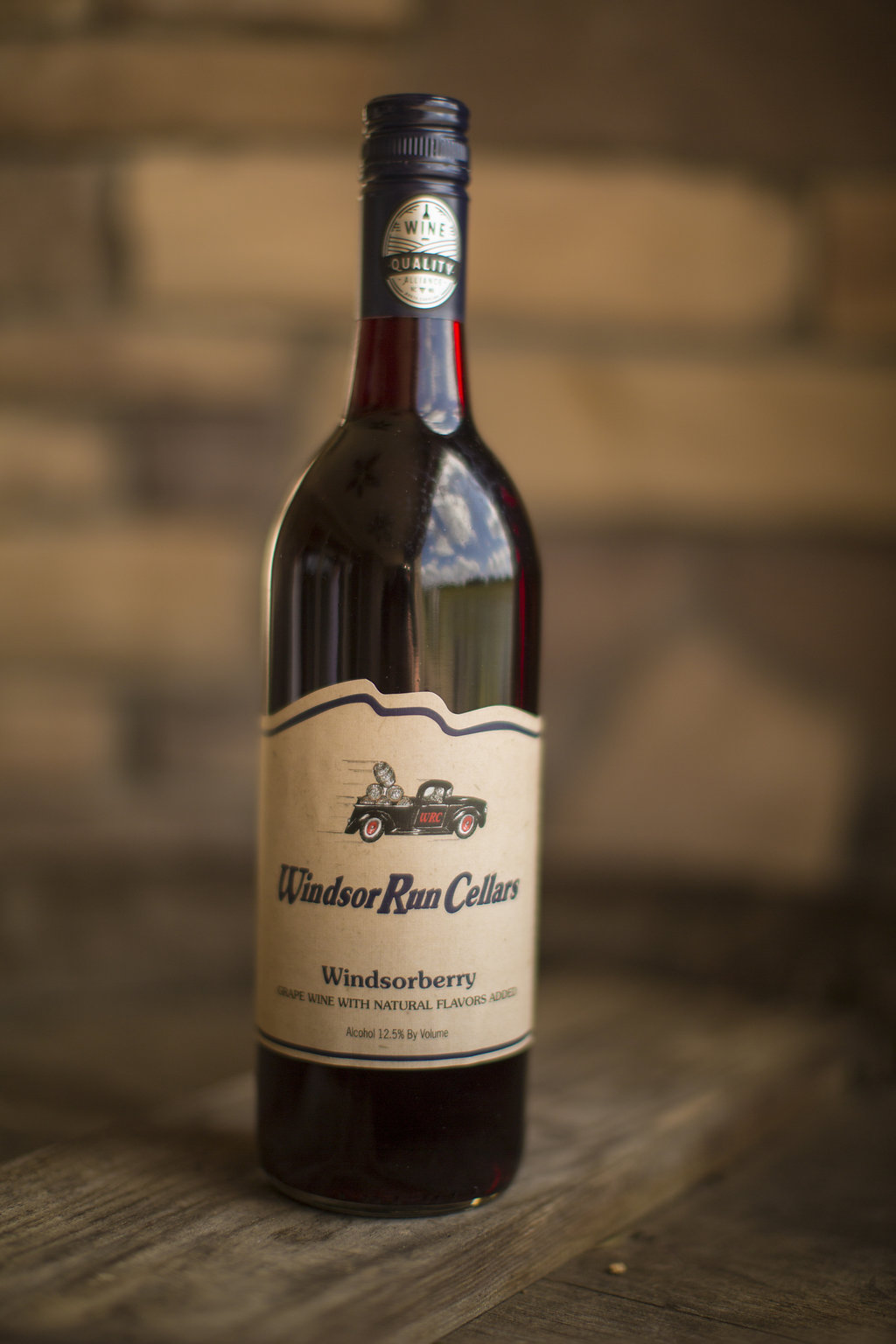 Windsorberry  Warm blueberry pie aroma that jumps out of the glass! This lightly sweet wine has a balance of acidity and fruit flavors. Enjoy chilled  $18