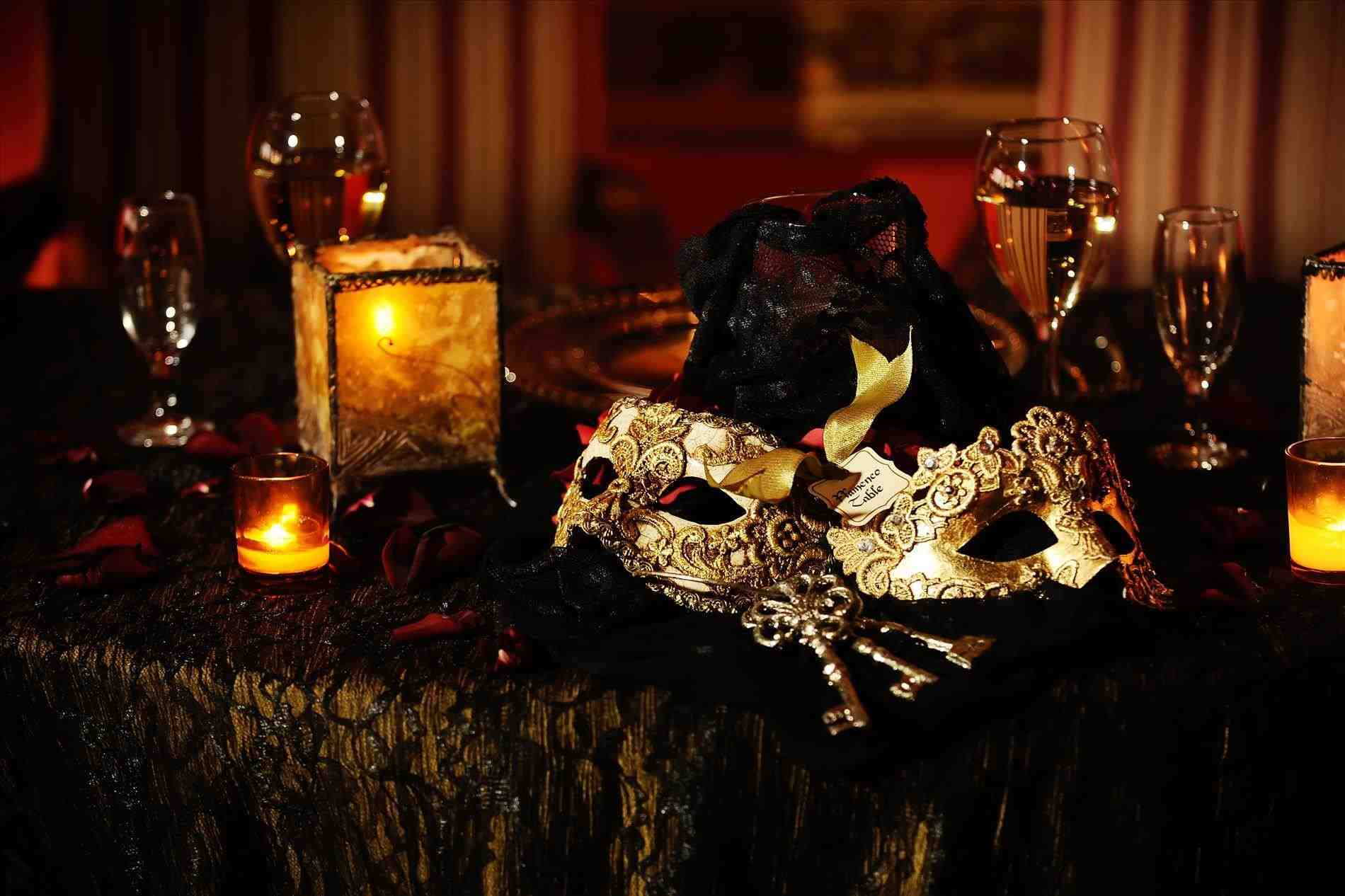 Masquerade-Ball-Decorations-masquerade-party-food-exactly-unusual-article-happy-italian-themed-wedding-table-decor-using-balocoloc-venetian-masks-italian-Venetian.jpg