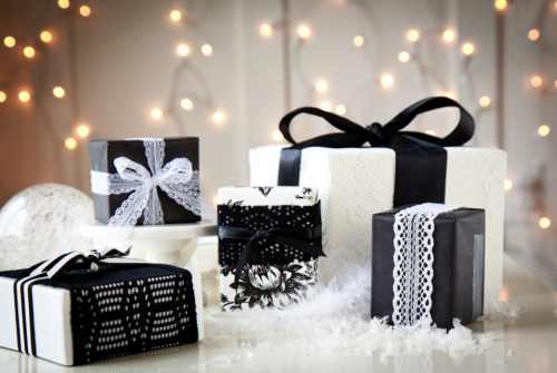 DA Gift Wrapping.png