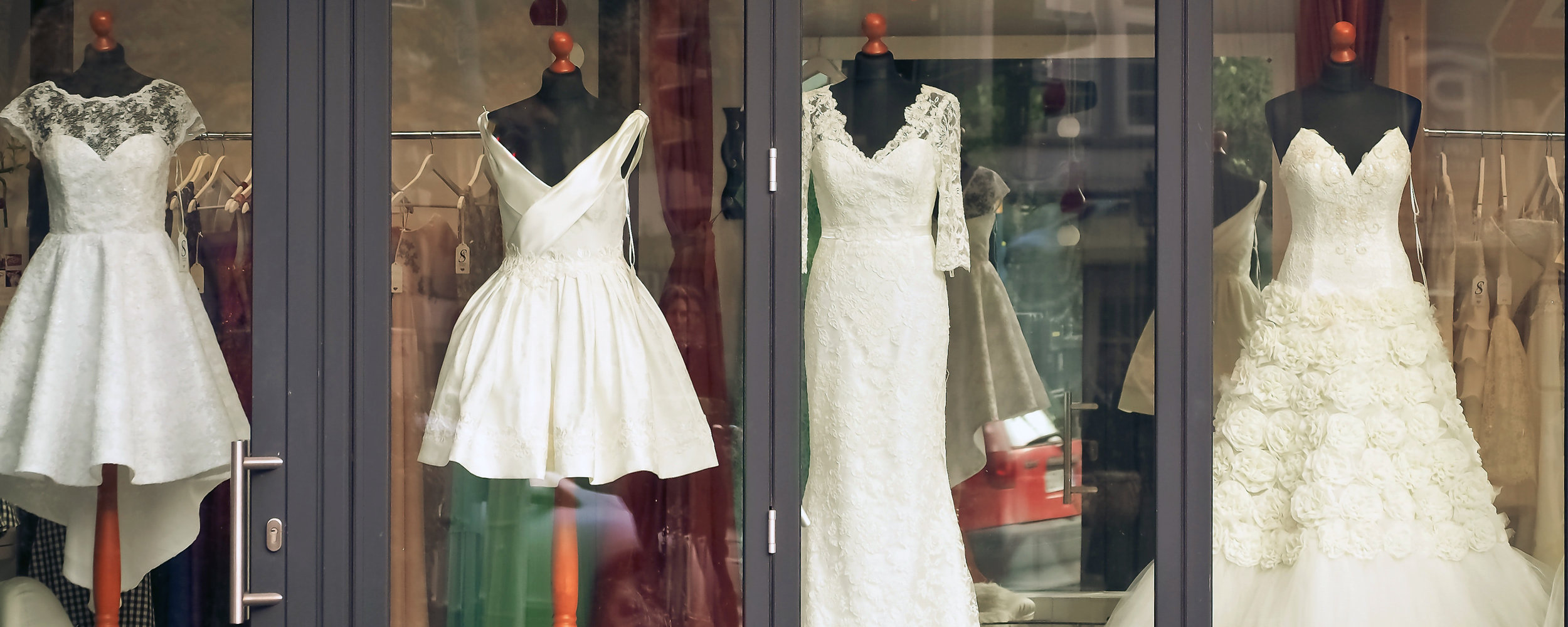 boutique-bridal-bridal-fashion-237432.jpg