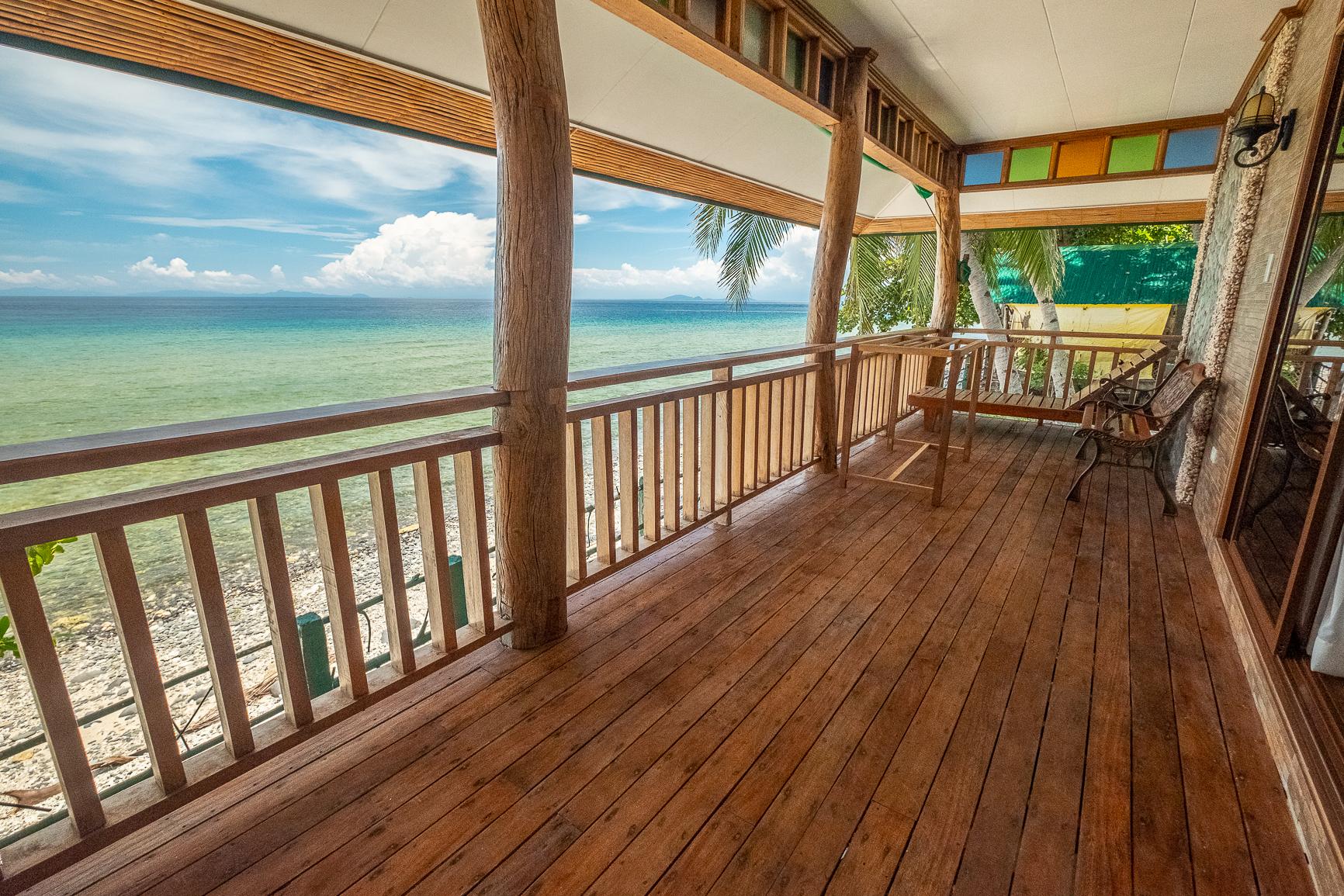 Premium Seaside Lodge (veranda)