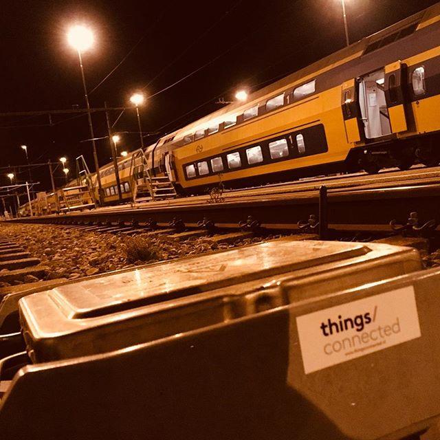 In de nachtelijke uurtjes in het spoor.....#iot #innovatie