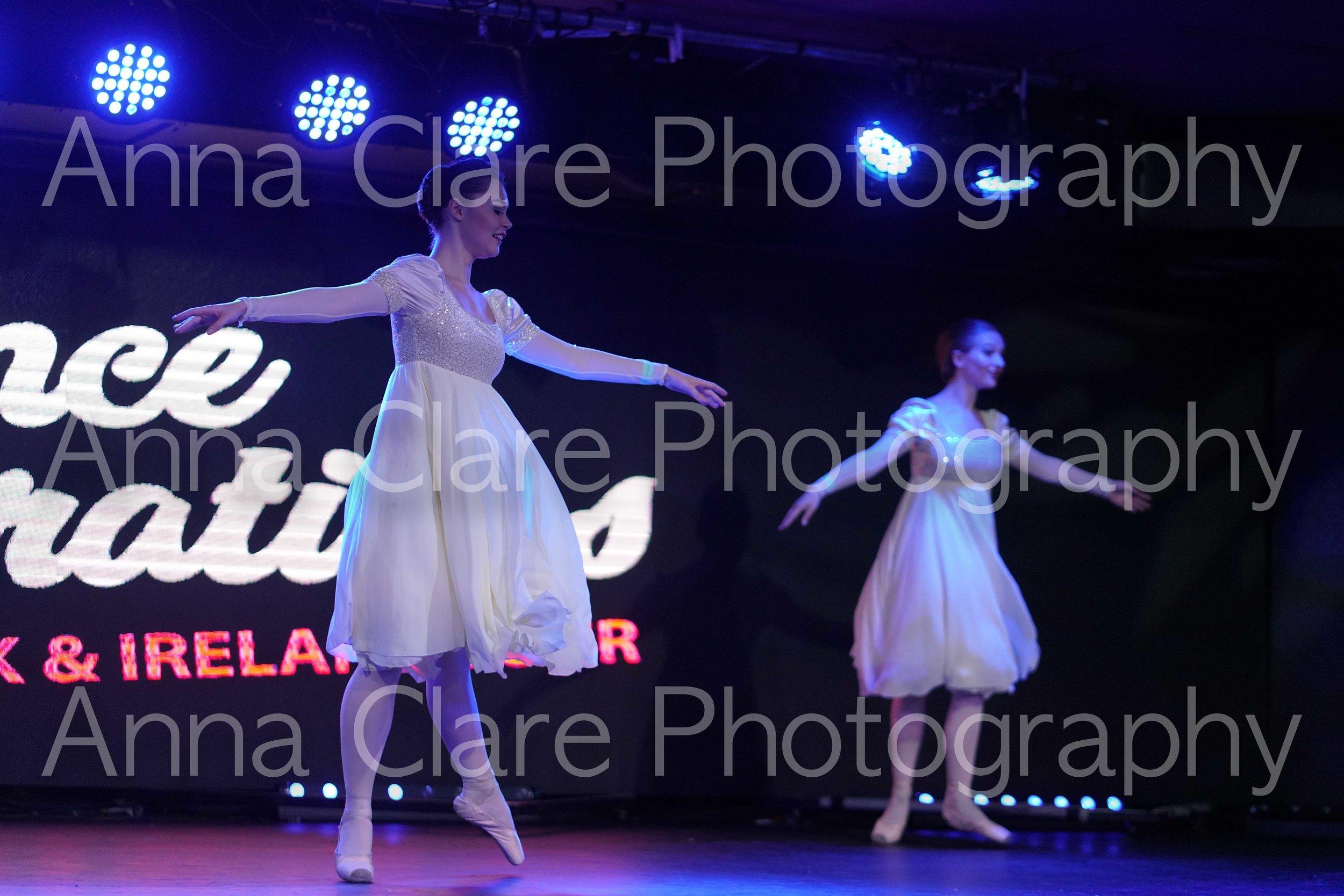 191. Jessica & Tayla -