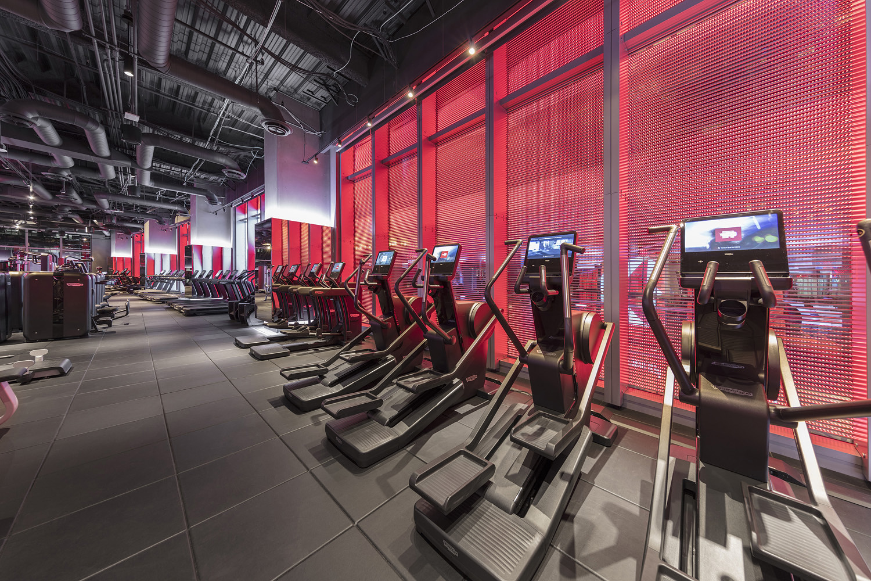 InterContinental LA Downtown_Attitude_Fitness_Center_Tread_17-127_HR_jpg.jpg
