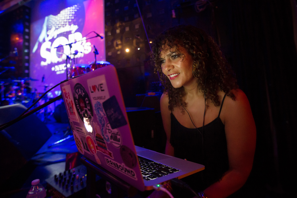 DJ MD, Marcy Depina mixing Cape Verdean standards at SOBs prior to the Ferro Gaita set