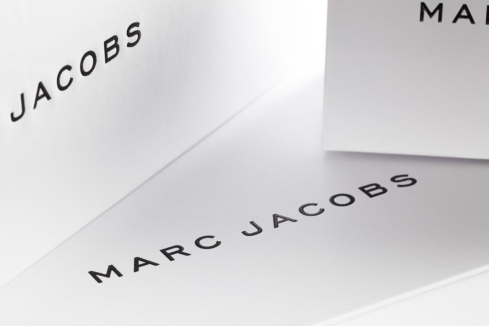 MARC-JACOBS-刚性箱式设计 - 包装 - 公司-4.JPG