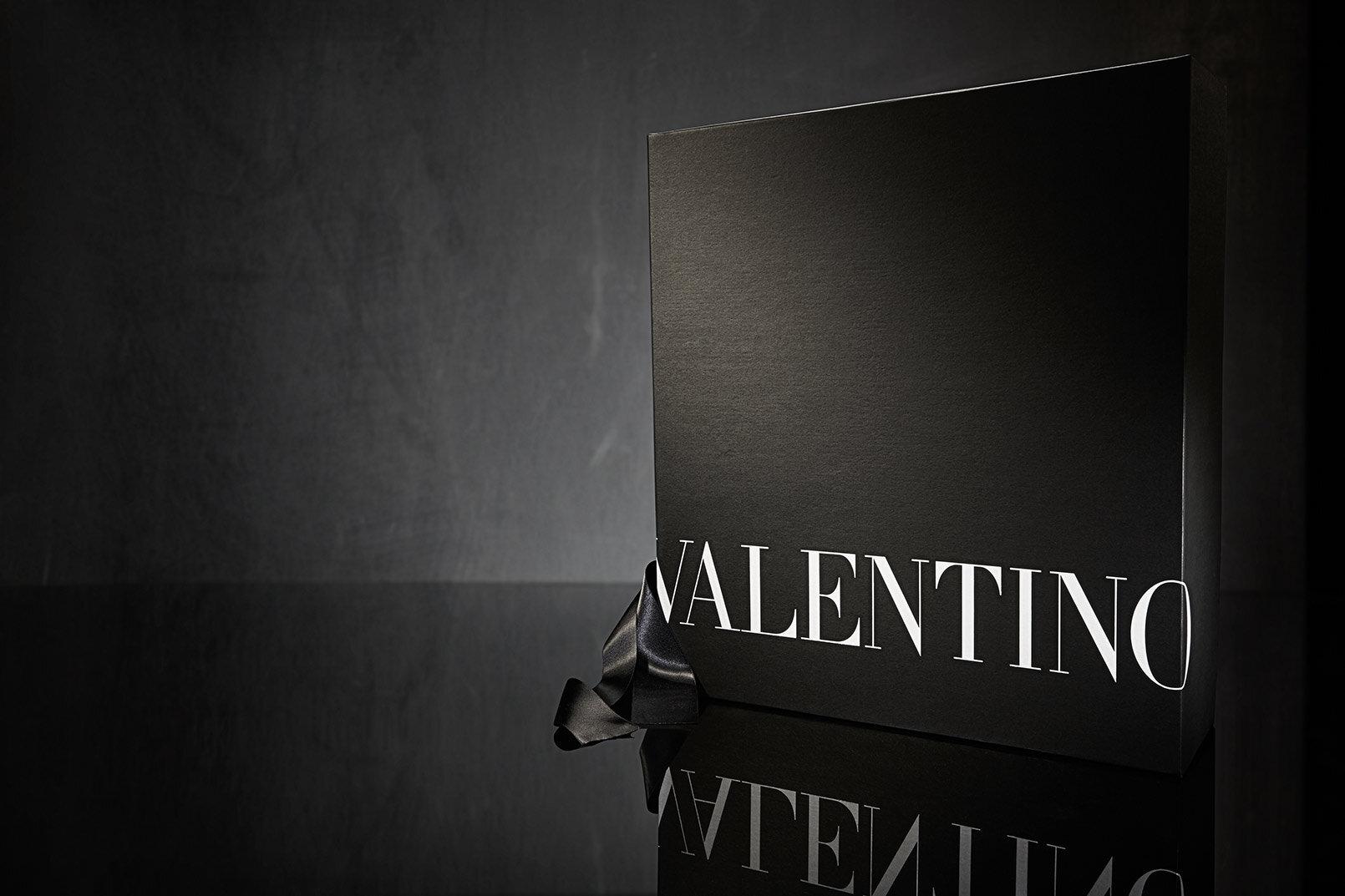 Valentino-box-design-packaging-company-1.jpg