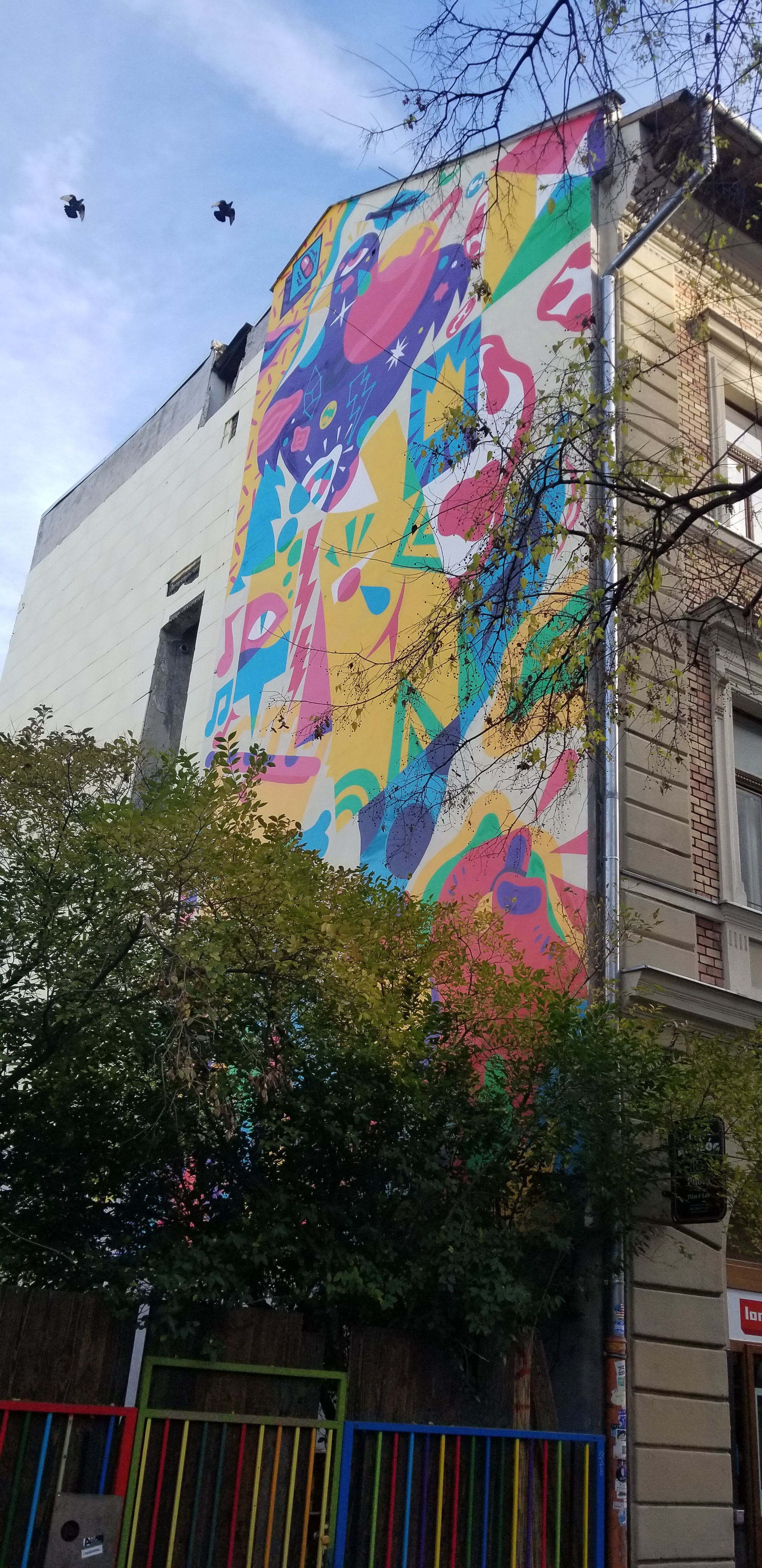 Mural on Kazinczy utca ; Artist: Akacorleone