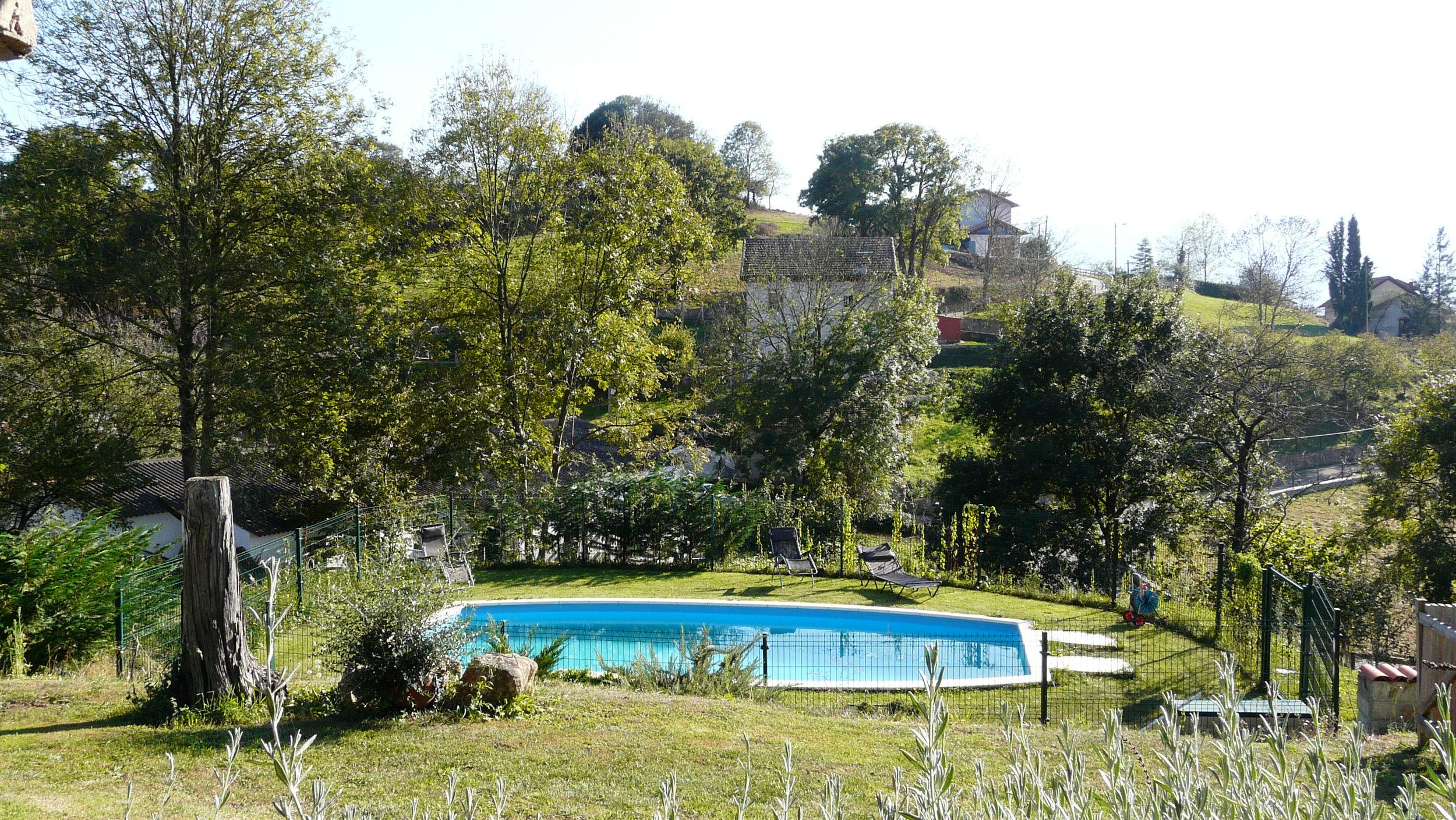 zona piscina Casería María Sopeña.jpg