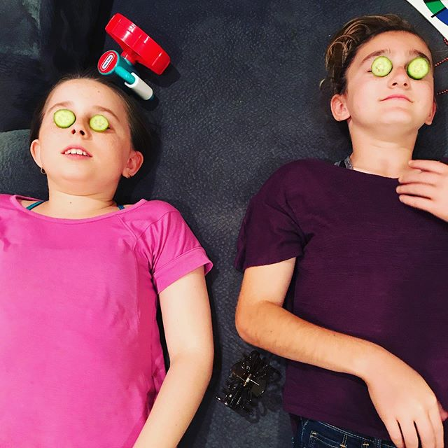 The tweens know how to take it easy. These girls got self care figured out! . . . . #sandiegomom #sandiegomoms #momtribesd #allomamas #momlife #selfcare #mamacare #soulcare #soulmom #zenmama #wellnesscoach #balancedmama #momcoach #momsupport #sandiegogram #sandiegomomsblog #womenrising #mompreneur #momprenuerlife #momoftweens #momofteenagers