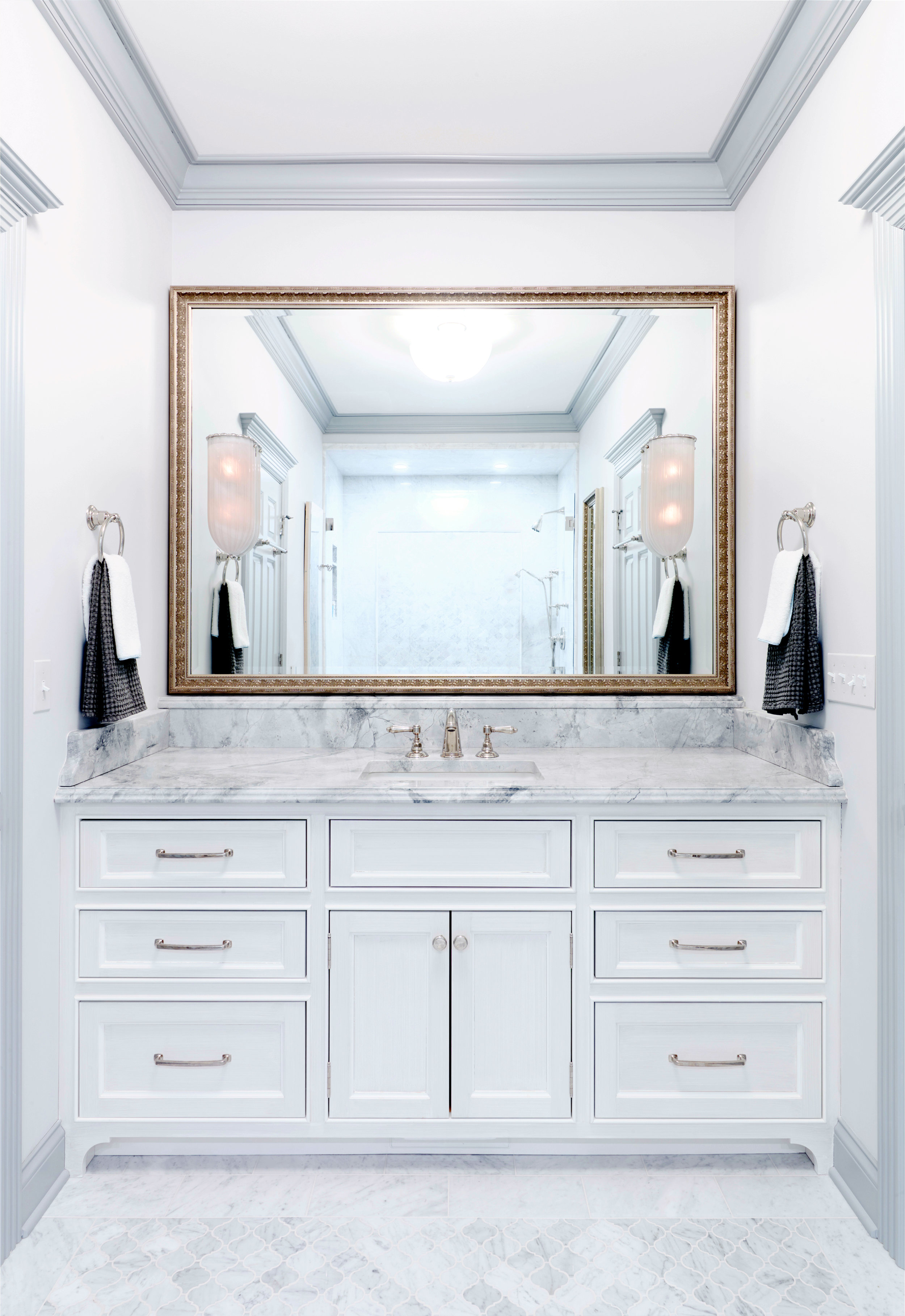 scmurphyllc_bathroom_minimal.jpg