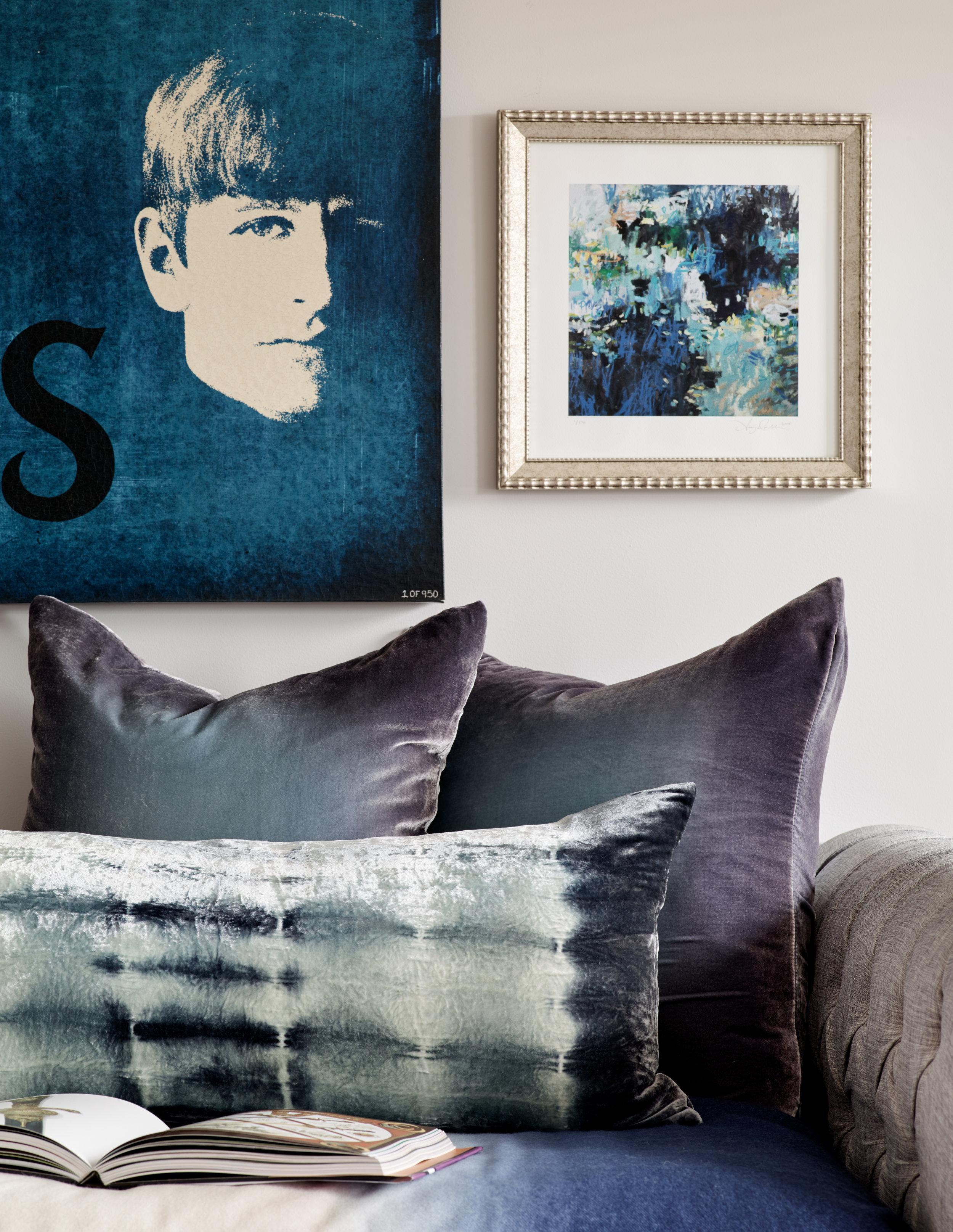 scmurphyllc_Living_room_purple_plush.jpg